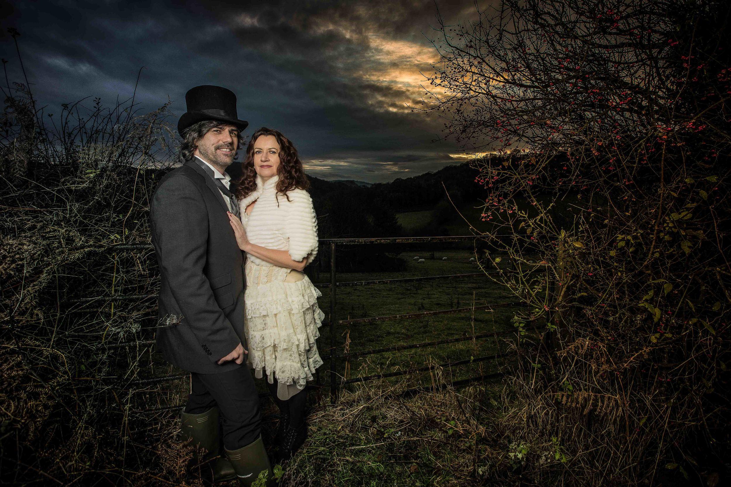 herefordshire-alternative-wedding-london-uk-destination-wedding-4-photography-Adam-Rowley