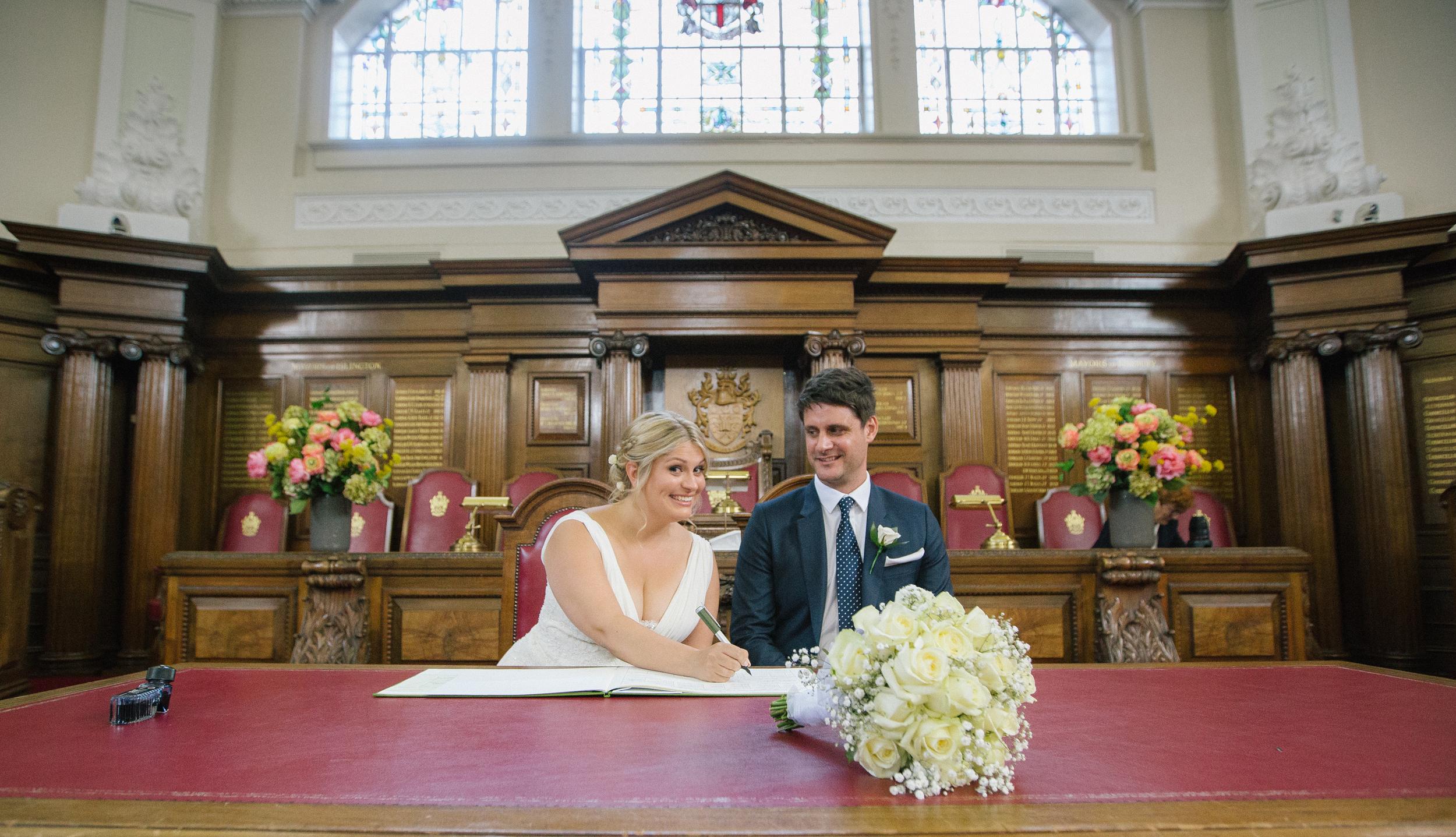 Islington-town-hall-signing-wedding-register-1