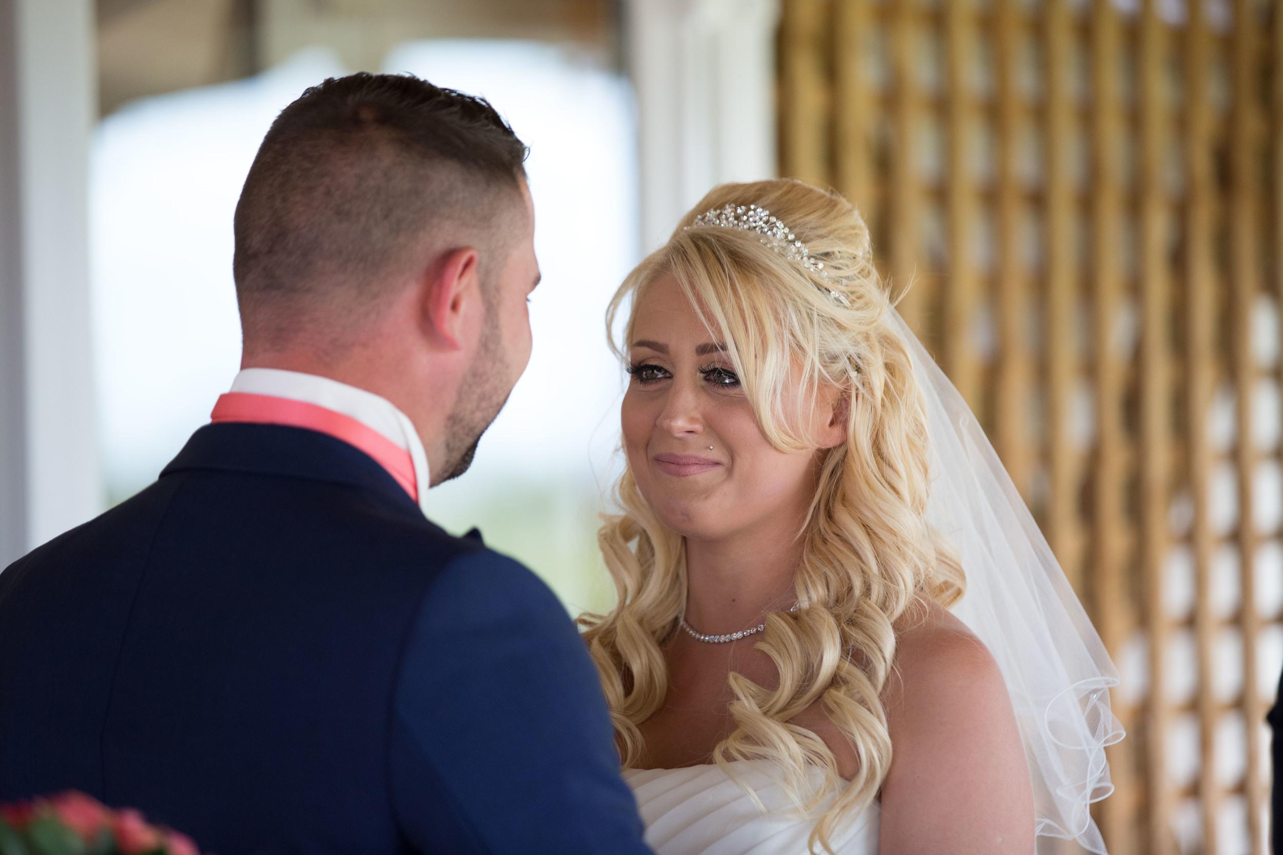 Essex-countryside-wedding-summer-tears
