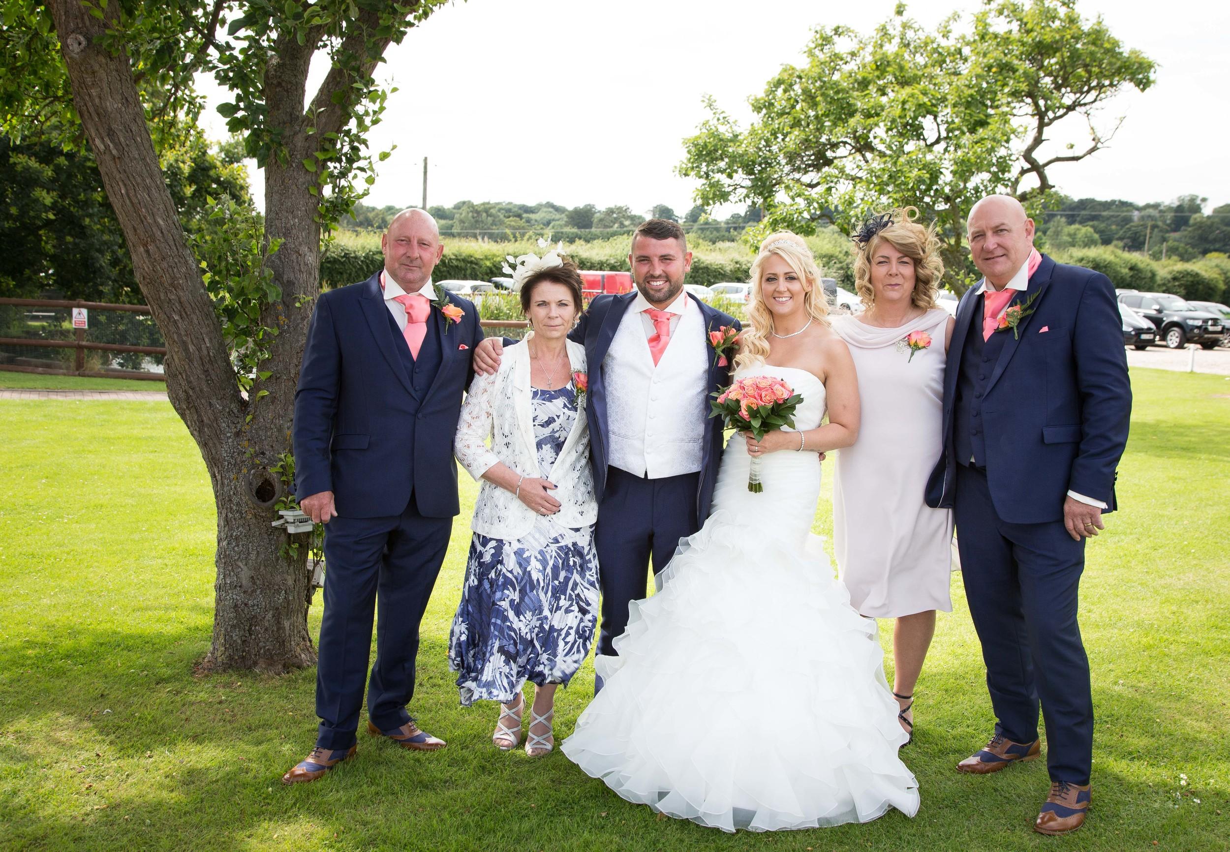 Essex-countryside-wedding-summer-formal2