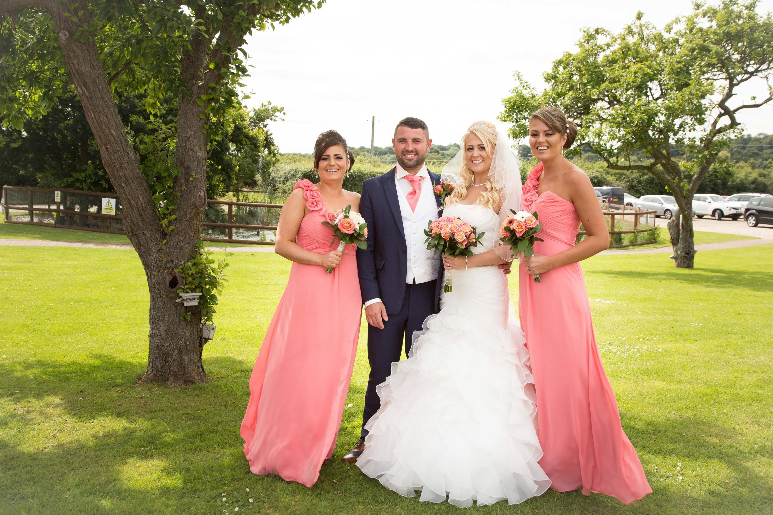 Essex-countryside-wedding-summer-formal