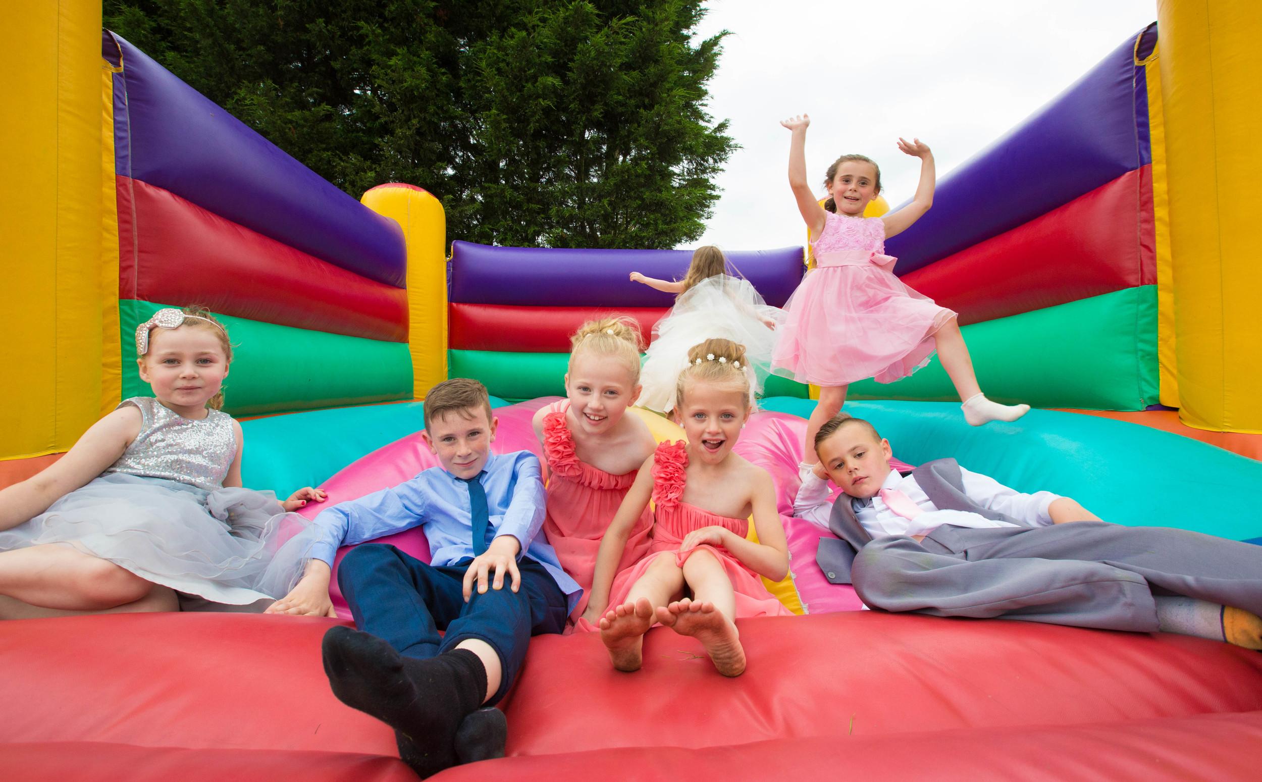 Essex-countryside-wedding-summer-kids-fun