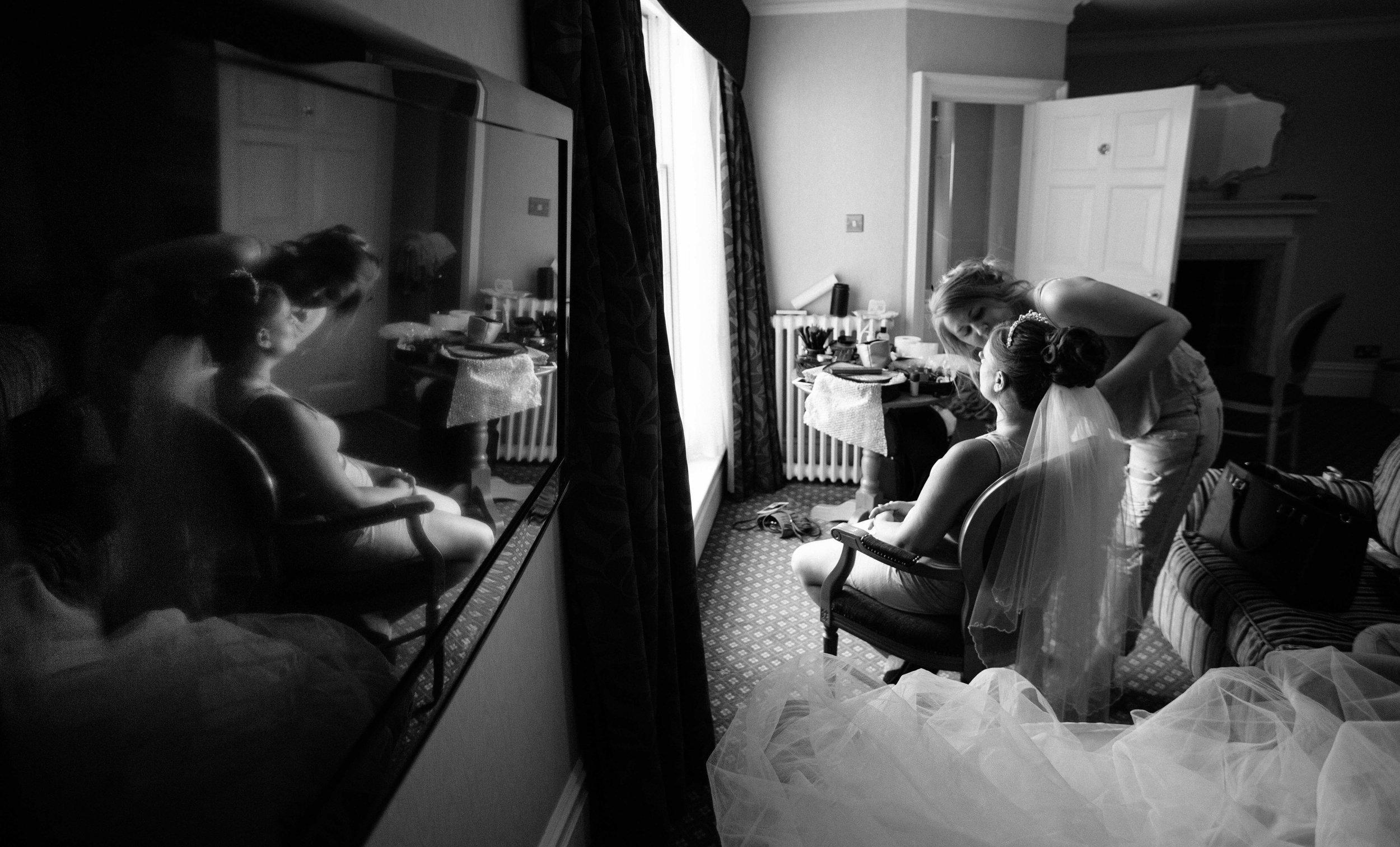 HamptonCourt-Wedding-Weybridge-Surrey-London-OatlandsParkHotel-01