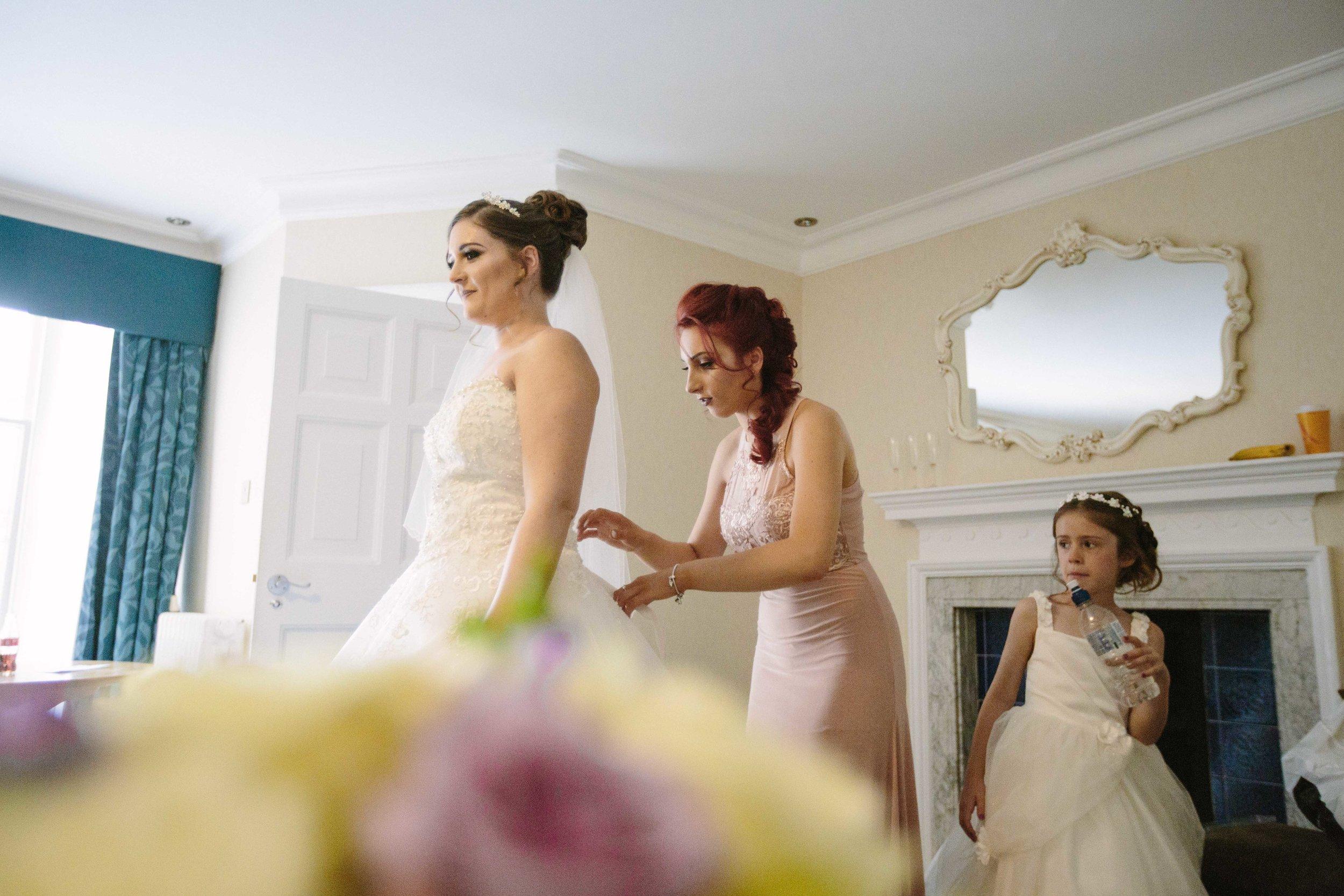 HamptonCourt-Wedding-Weybridge-Surrey-London-OatlandsParkHotel-10