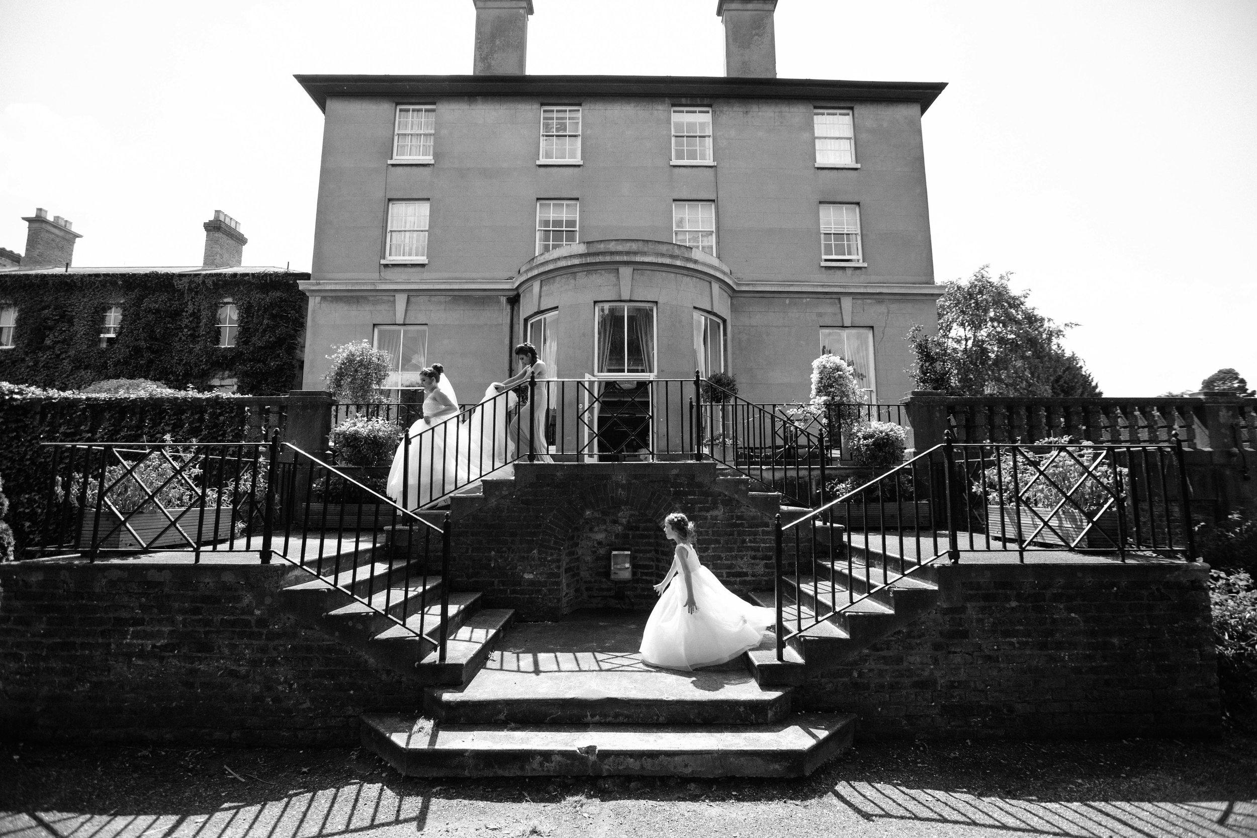 HamptonCourt-Wedding-Weybridge-Surrey-London-OatlandsParkHotel-11