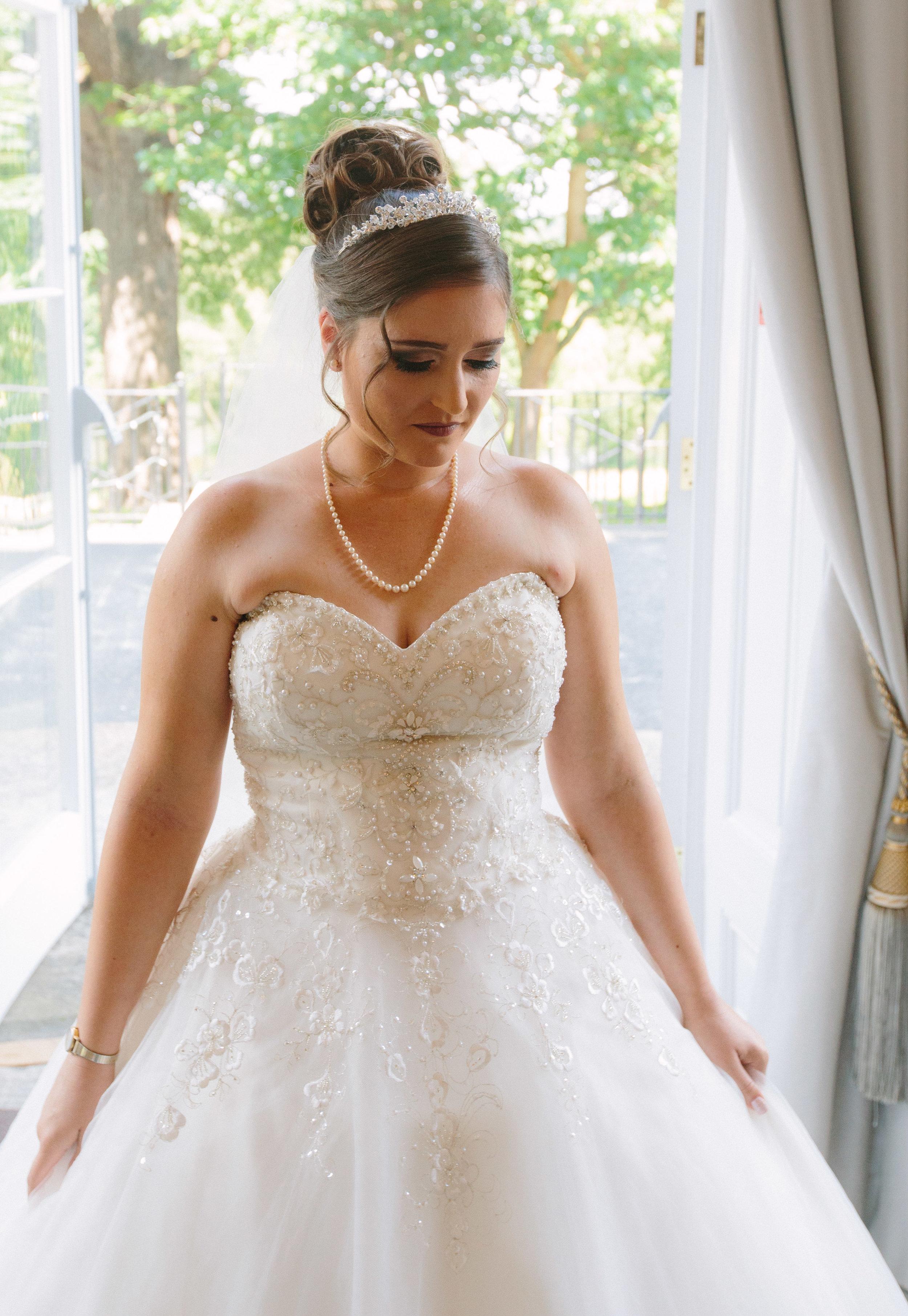 HamptonCourt-Wedding-Weybridge-Surrey-London-OatlandsParkHotel-15