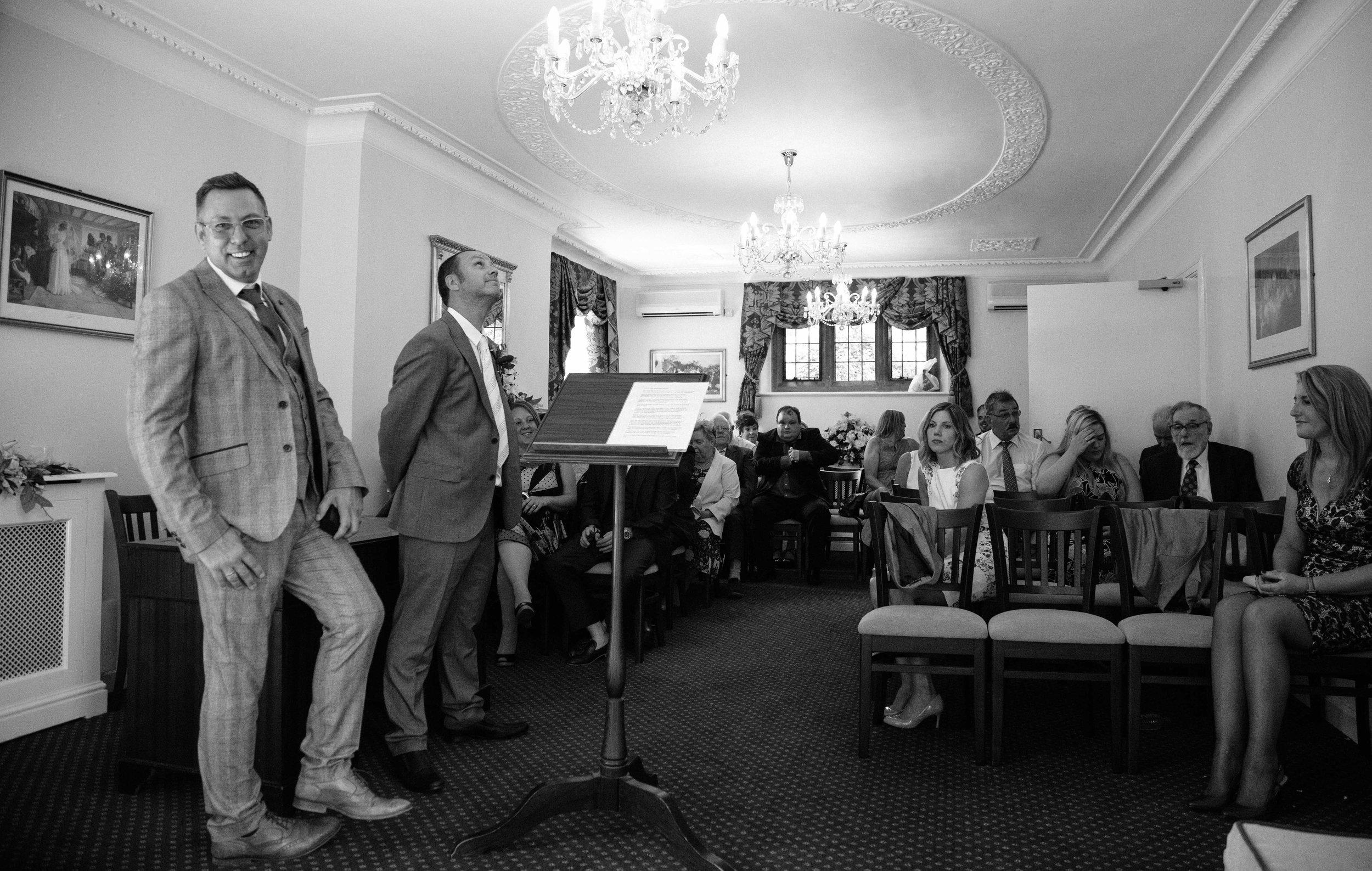 HamptonCourt-Wedding-Weybridge-Surrey-London-OatlandsParkHotel-25