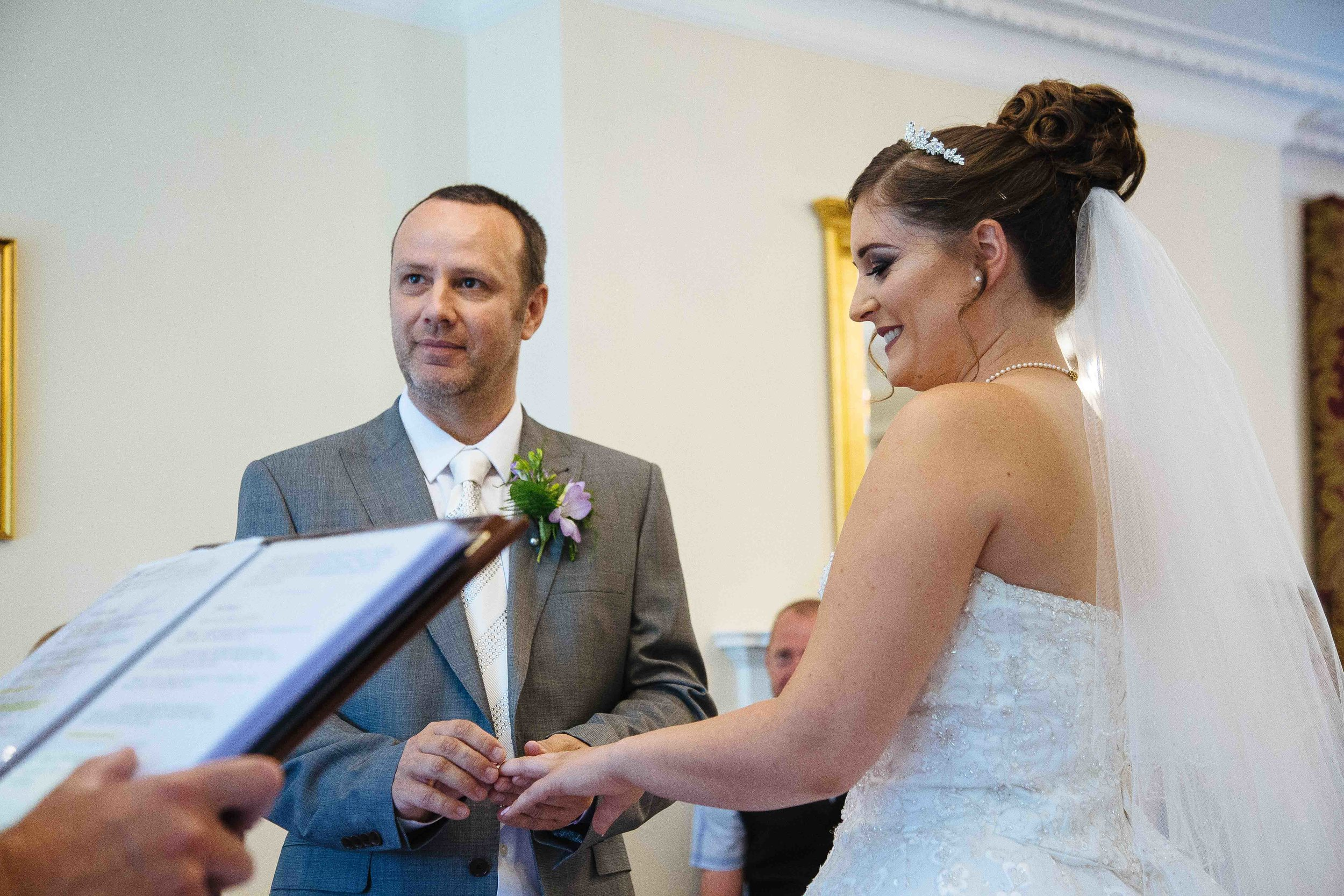HamptonCourt-Wedding-Weybridge-Surrey-London-OatlandsParkHotel-28