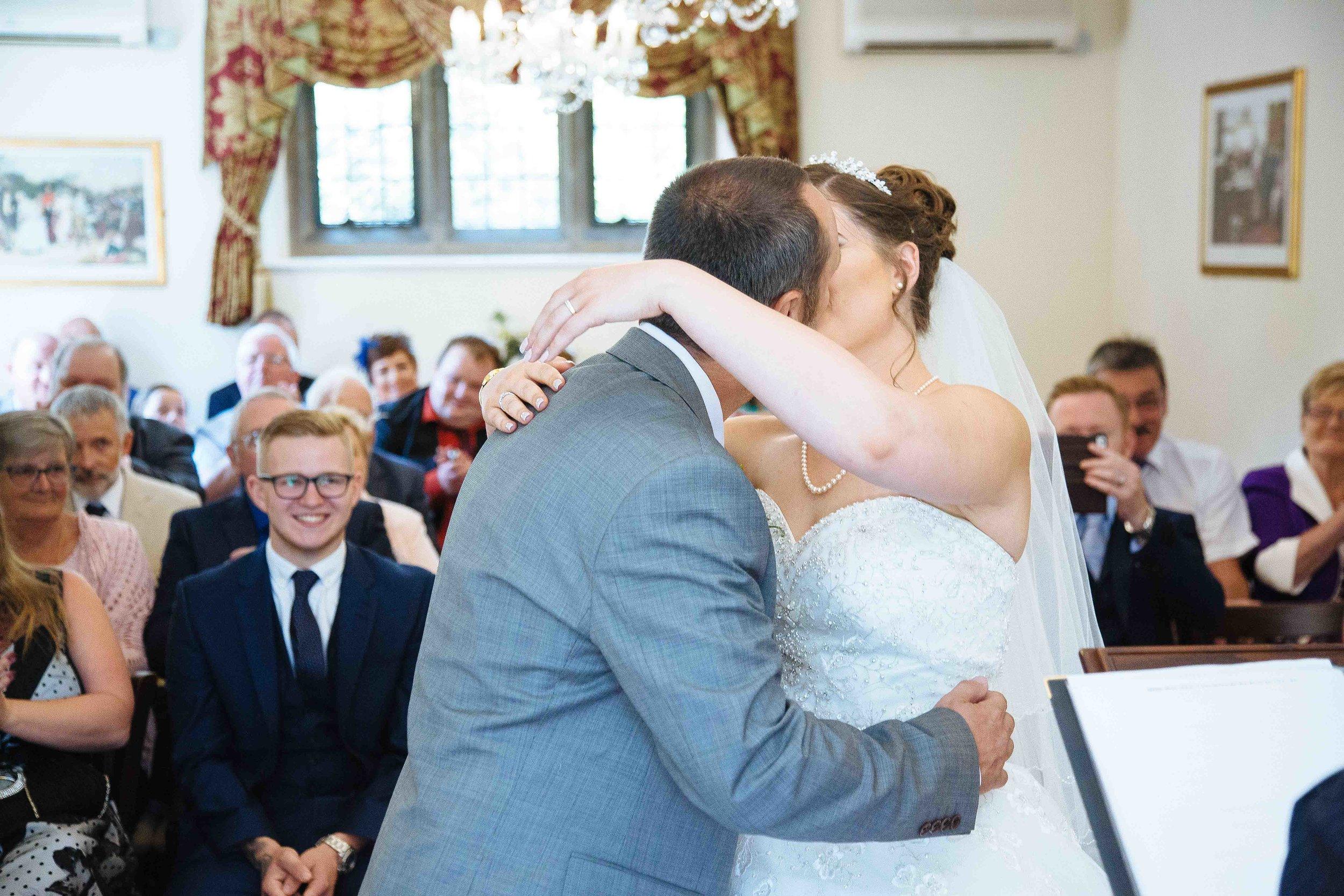 HamptonCourt-Wedding-Weybridge-Surrey-London-OatlandsParkHotel-29