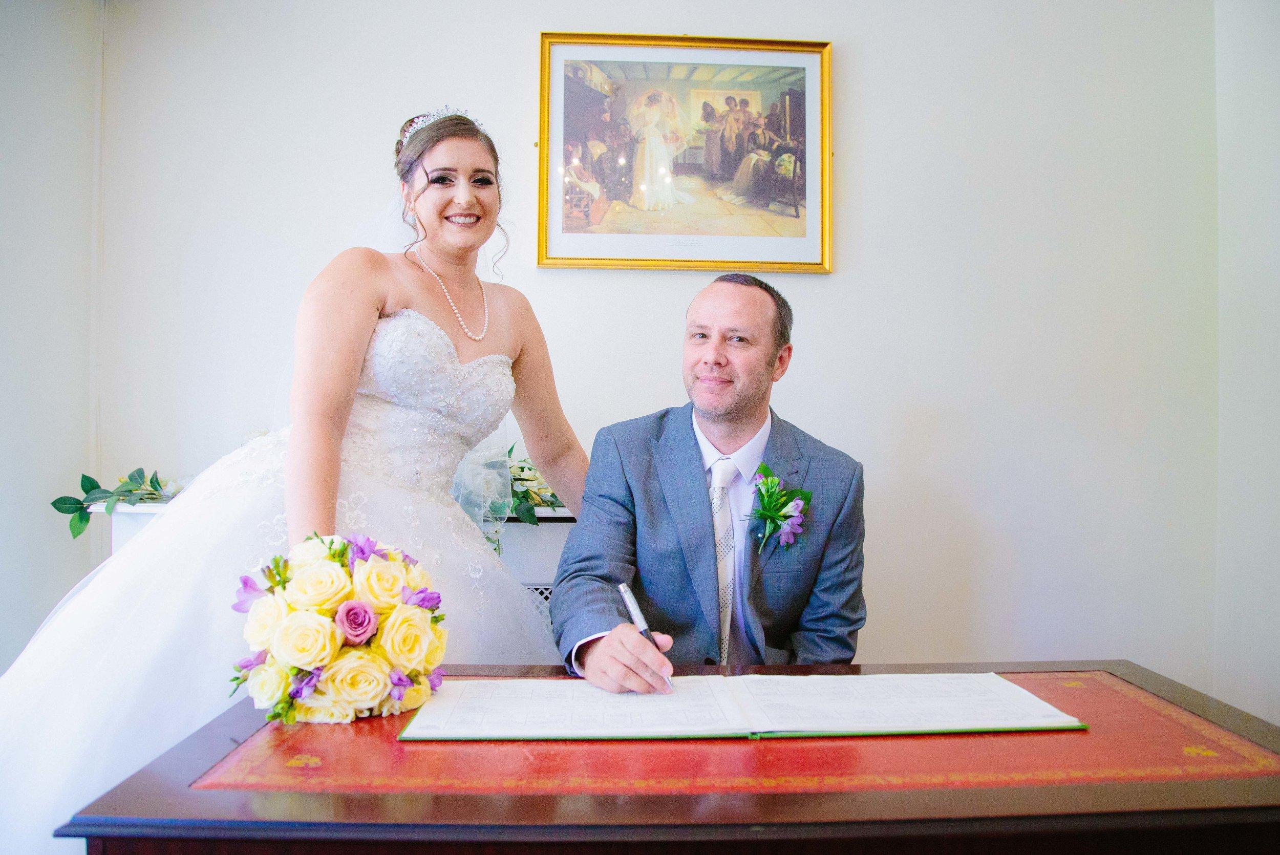 HamptonCourt-Wedding-Weybridge-Surrey-London-OatlandsParkHotel-31