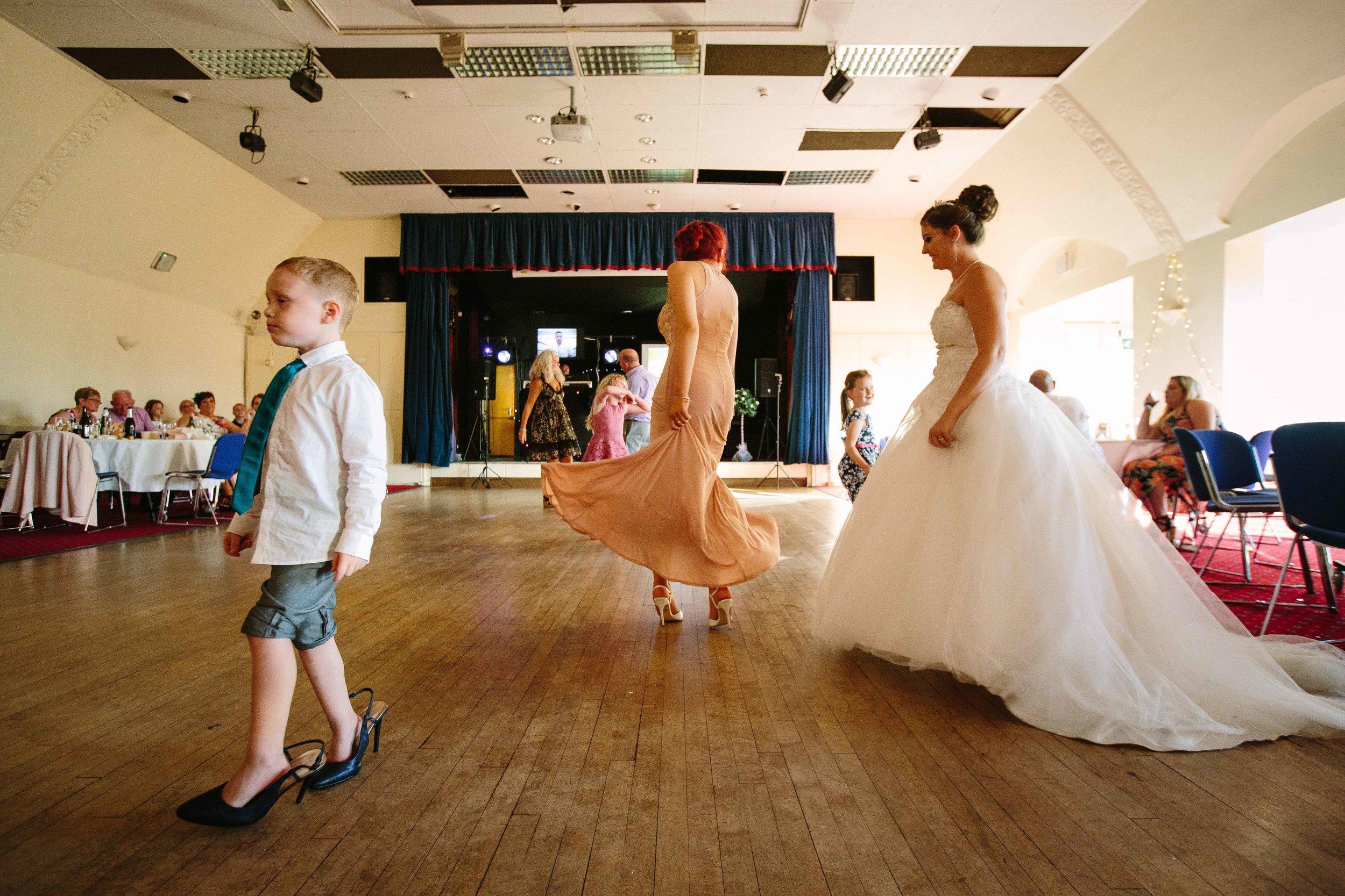 HamptonCourt-Wedding-Weybridge-Surrey-London-OatlandsParkHotel-44