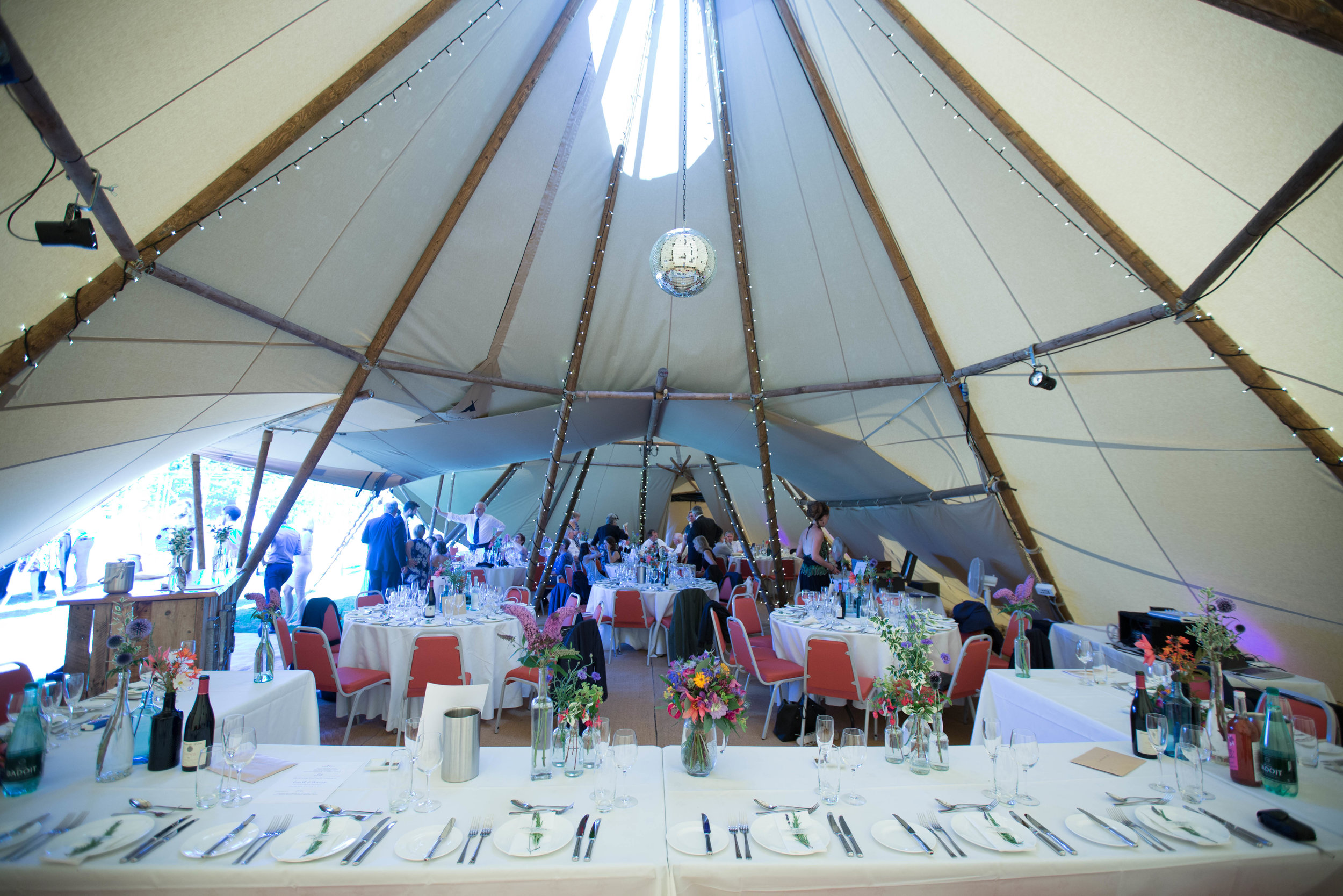 bedfordshire-tipi-rustic-summer-wedding-delirious-58