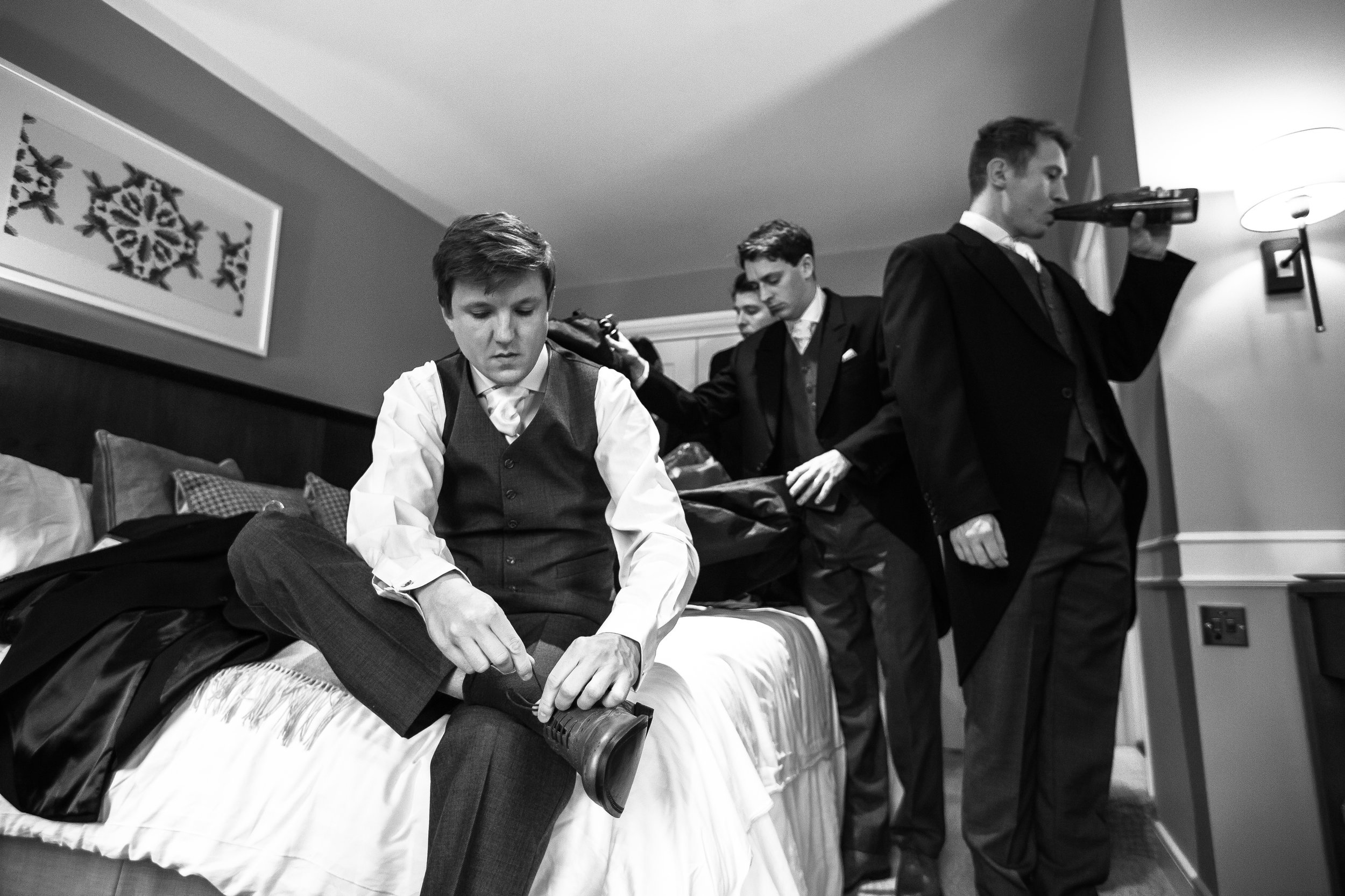 surrey-ascot-royal-berkshire-hotel-autumn-wedding-groomsmen-4