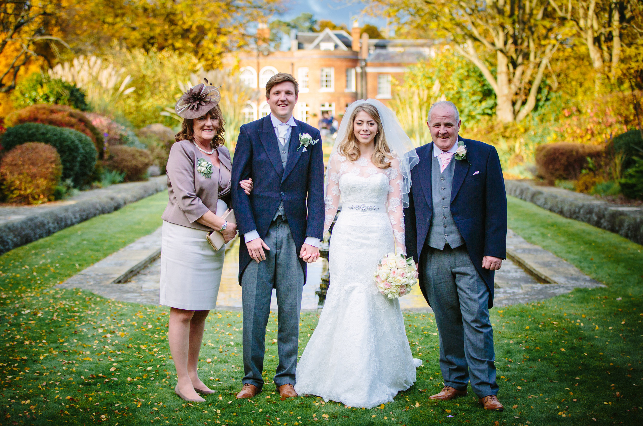 surrey-ascot-royal-berkshire-hotel-autumn-wedding-group-shot-2