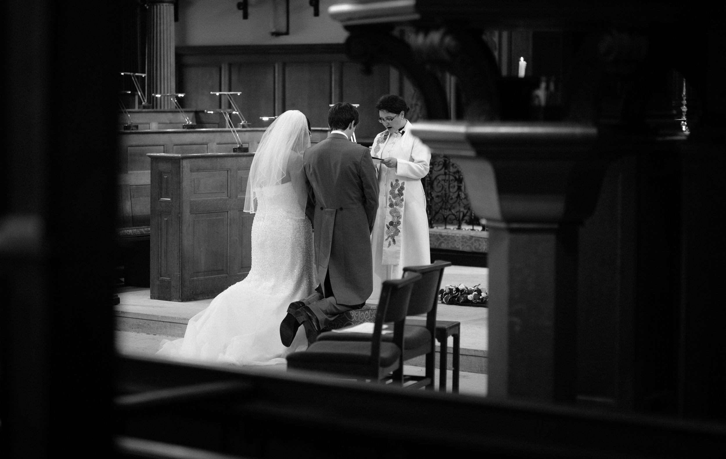 Saint-Alfege-Church-greenwich-wedding-charlton-london-vicar-monochrome-133