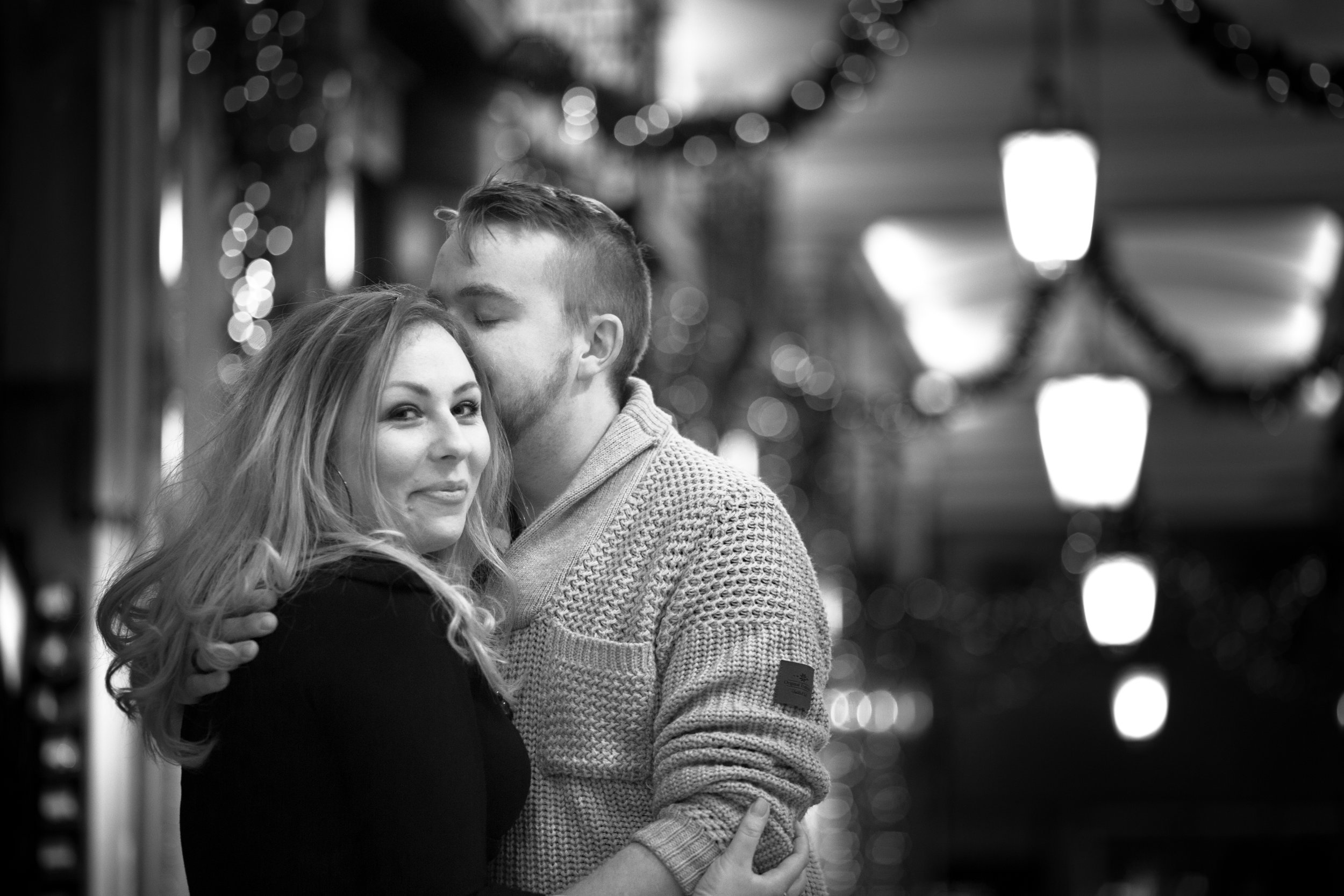 london-oxford-street-christmas-lights-engagement-wedding-photography-09