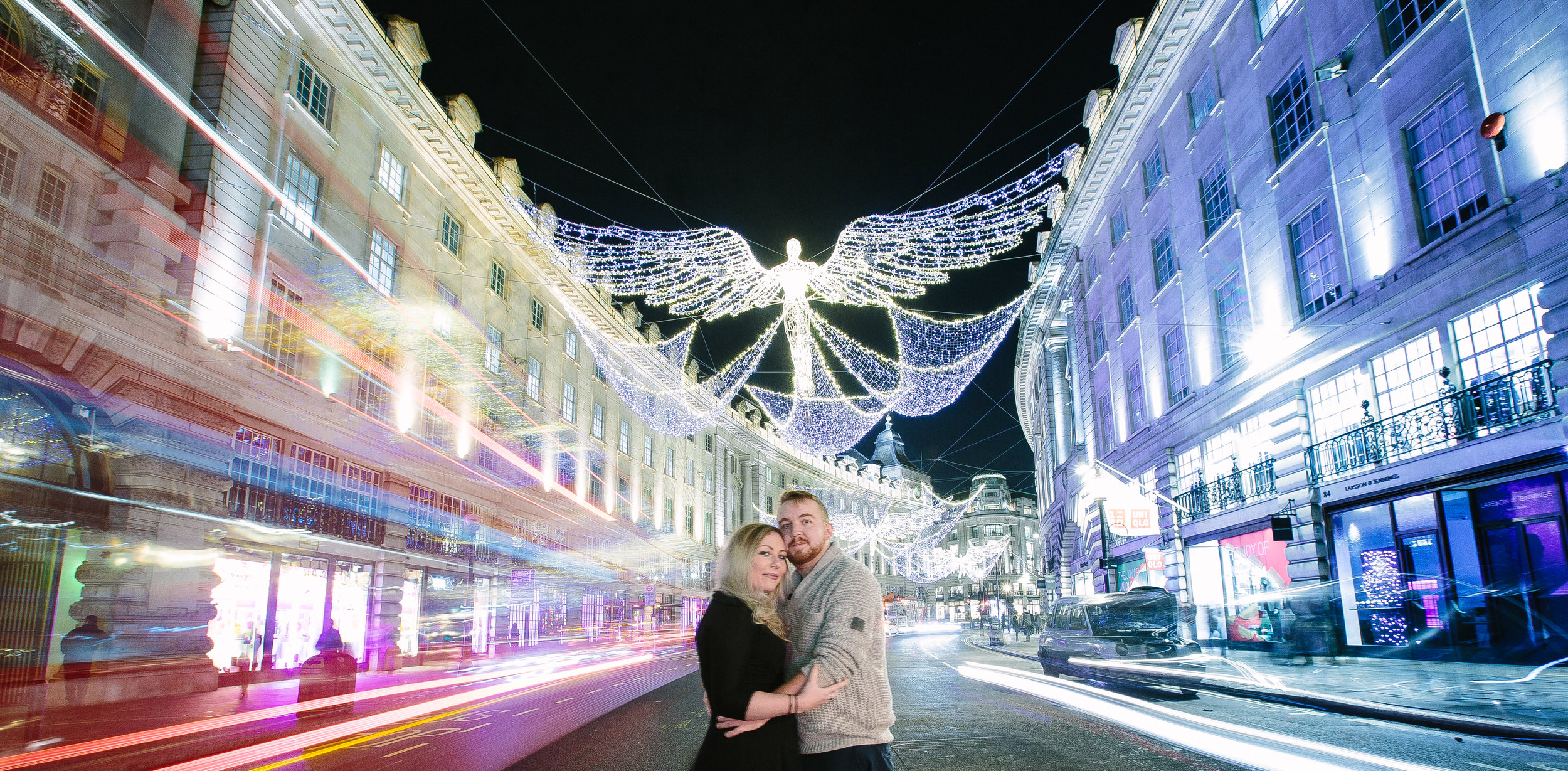 london-oxford-street-christmas-lights-engagement-wedding-photography-18