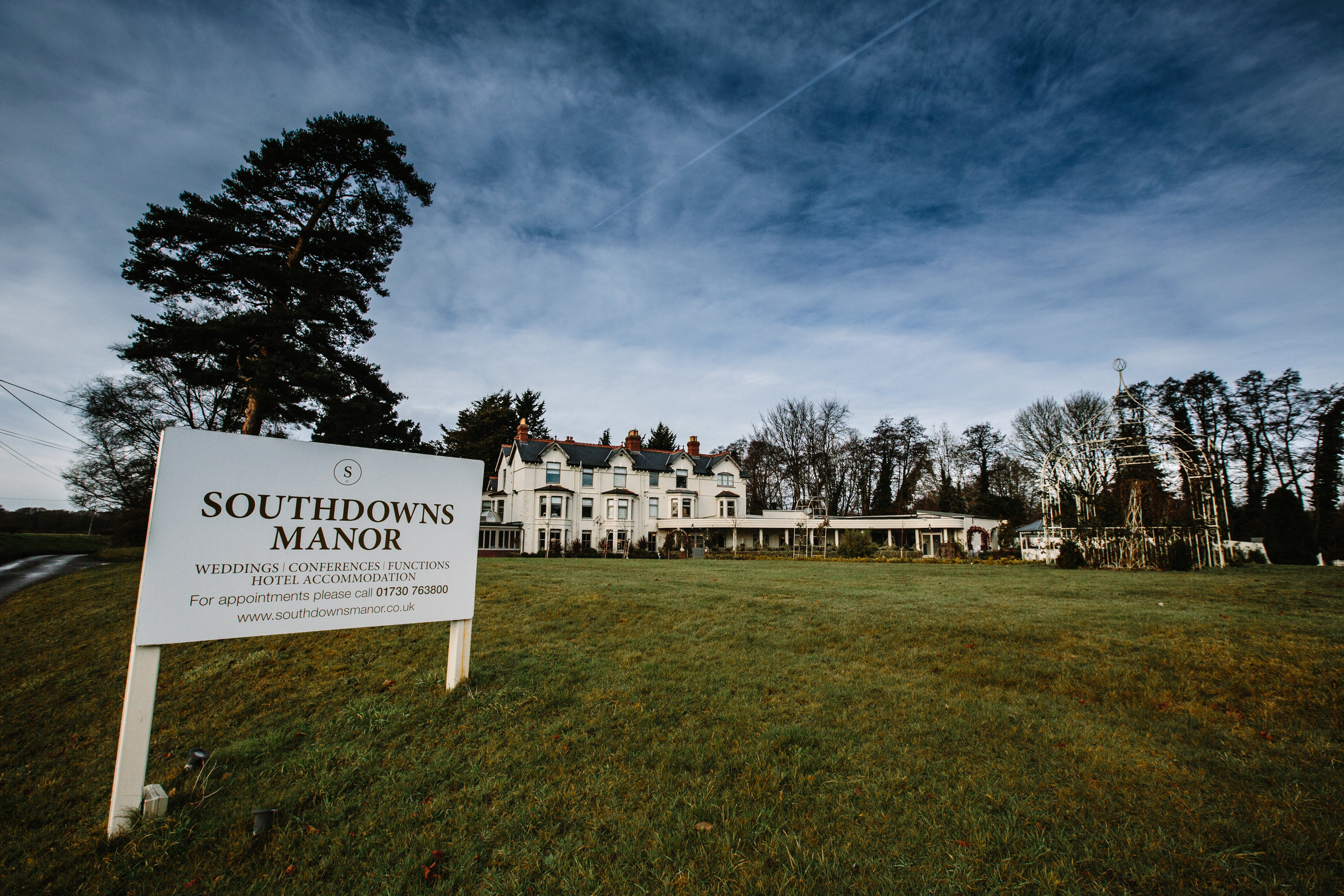 Sussex-winter-wedding-photography-southdowns-manor-1