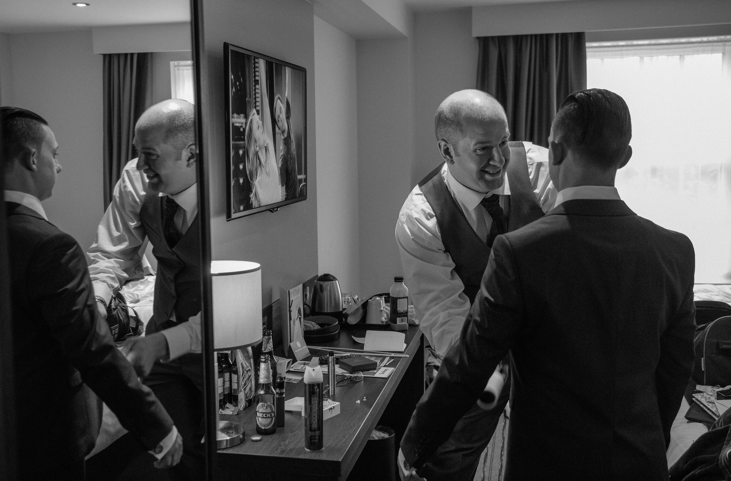 northbrook-park-hampshire-spring-winter-wedding-photography-groom-prep-10