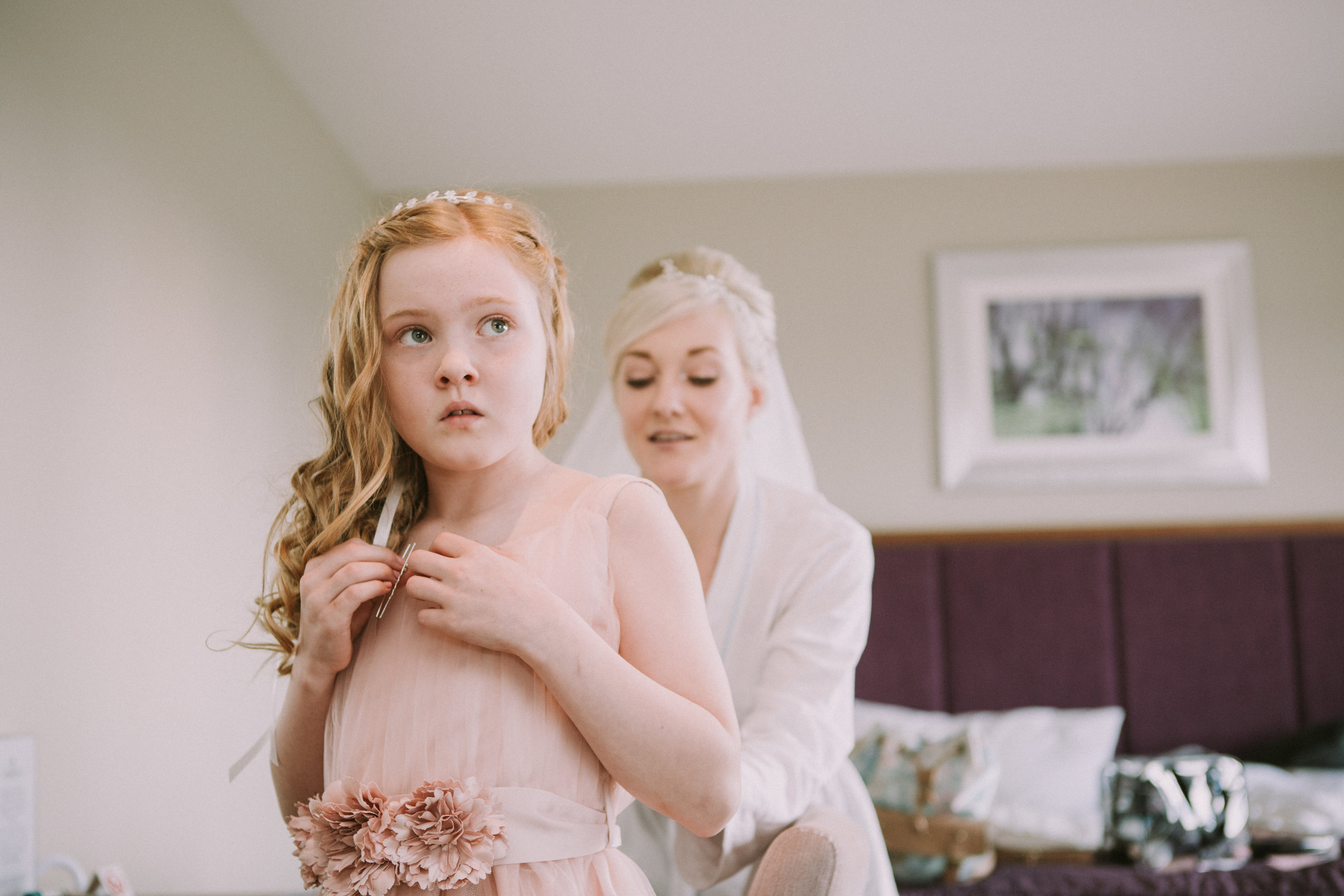 cotswalds-chipping-norton-oxfordshire-london-wedding-photography-bridal-prep-04