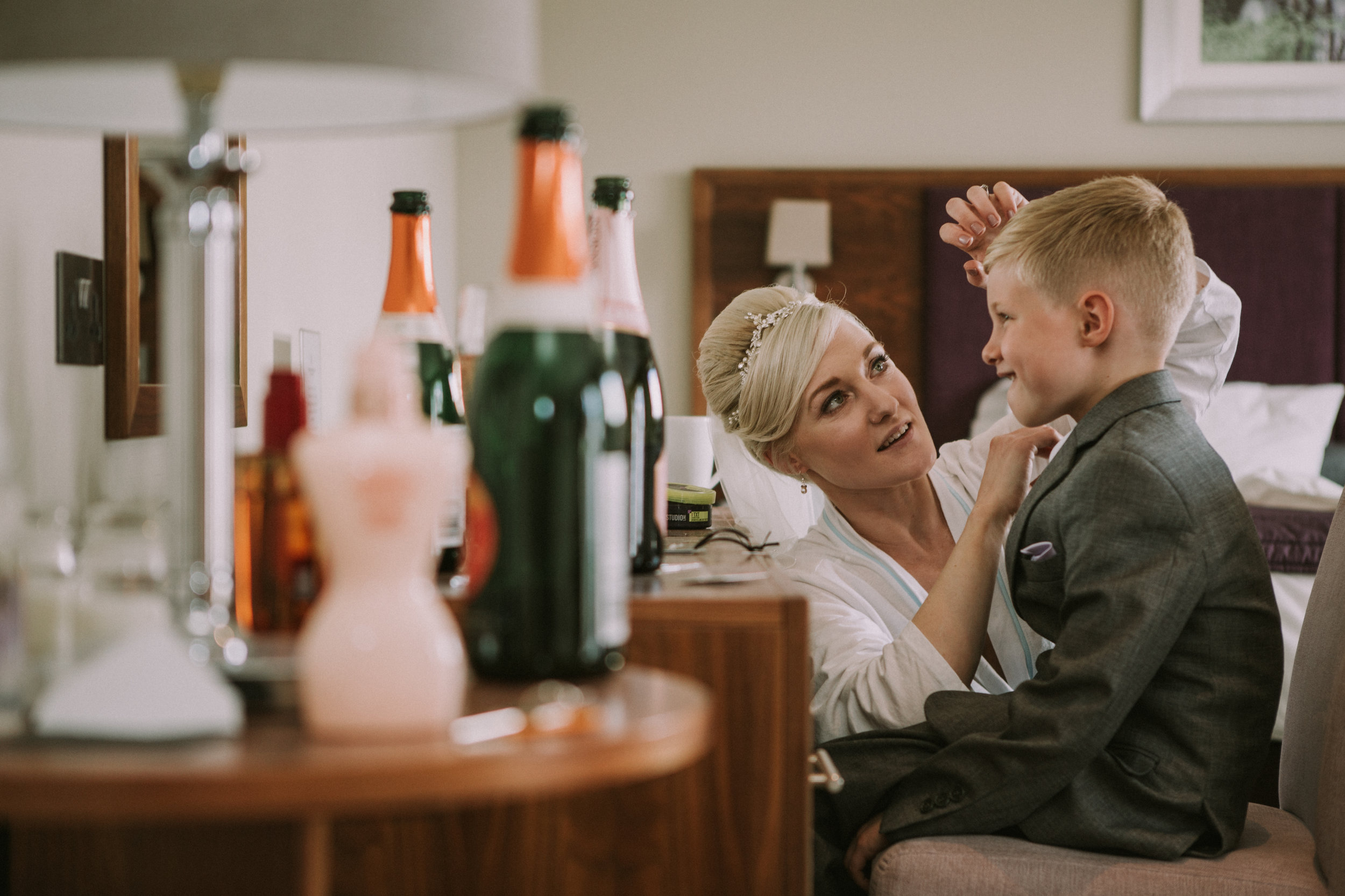 cotswalds-chipping-norton-oxfordshire-london-wedding-photography-bridal-prep-07