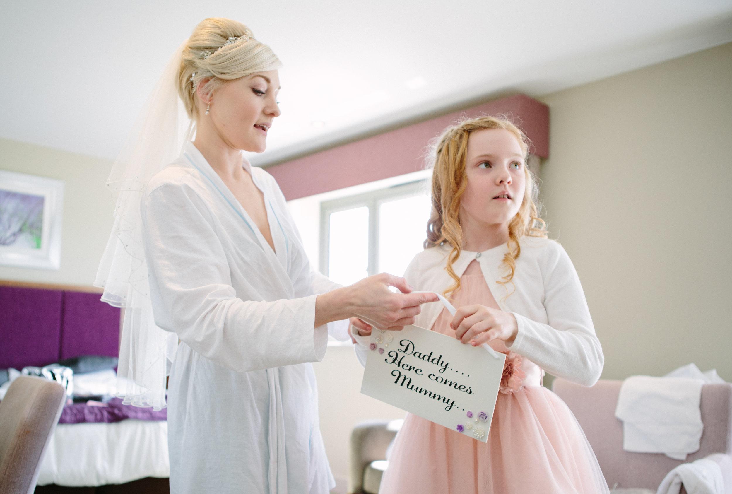 cotswalds-chipping-norton-oxfordshire-london-wedding-photography-bridal-prep-08