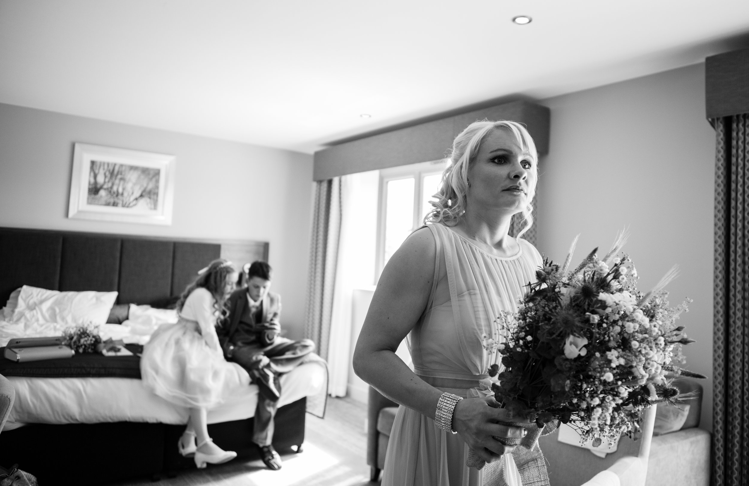 cotswalds-chipping-norton-oxfordshire-london-wedding-photography-bridal-prep-10