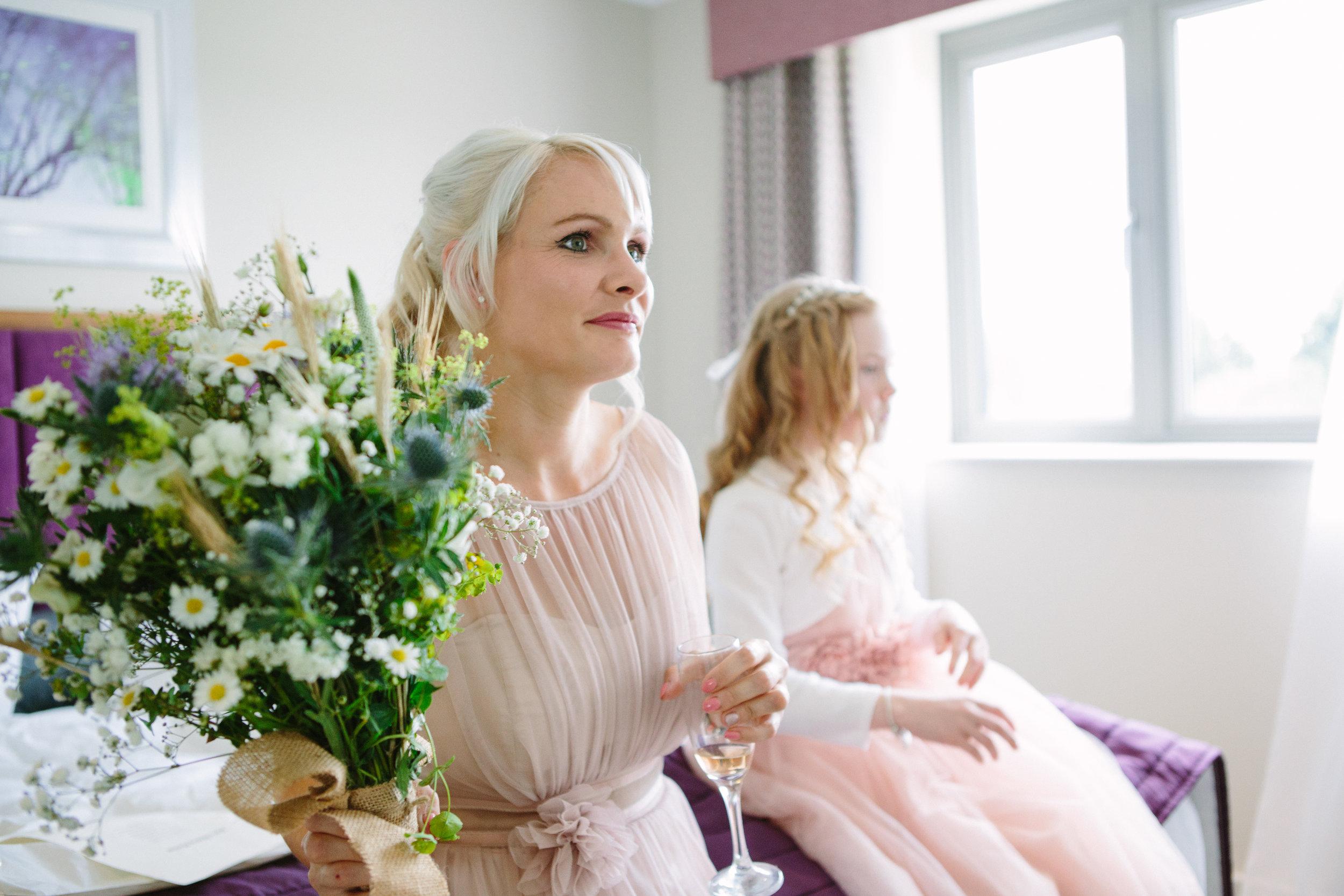 cotswalds-chipping-norton-oxfordshire-london-wedding-photography-bridal-prep-11