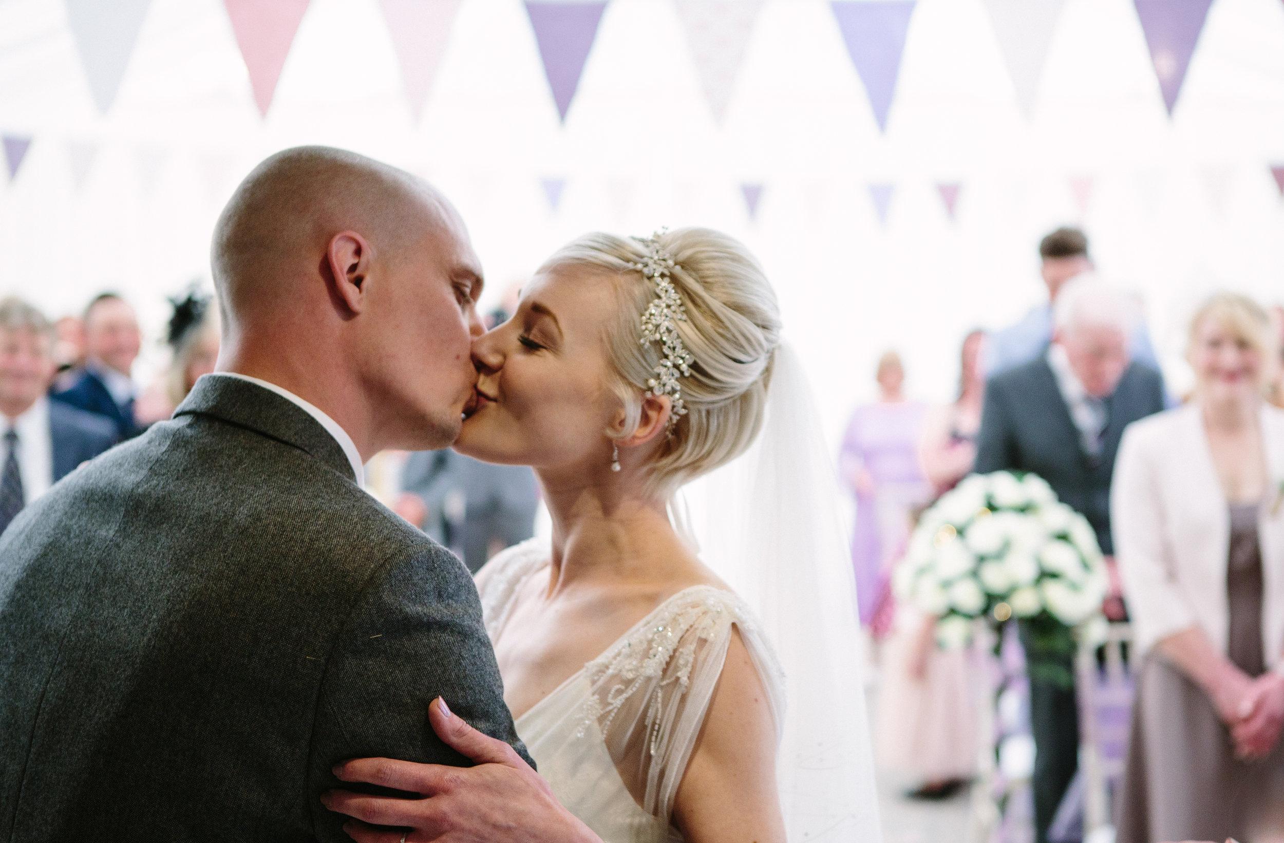 cotswalds-chipping-norton-oxfordshire-london-wedding-photography-24