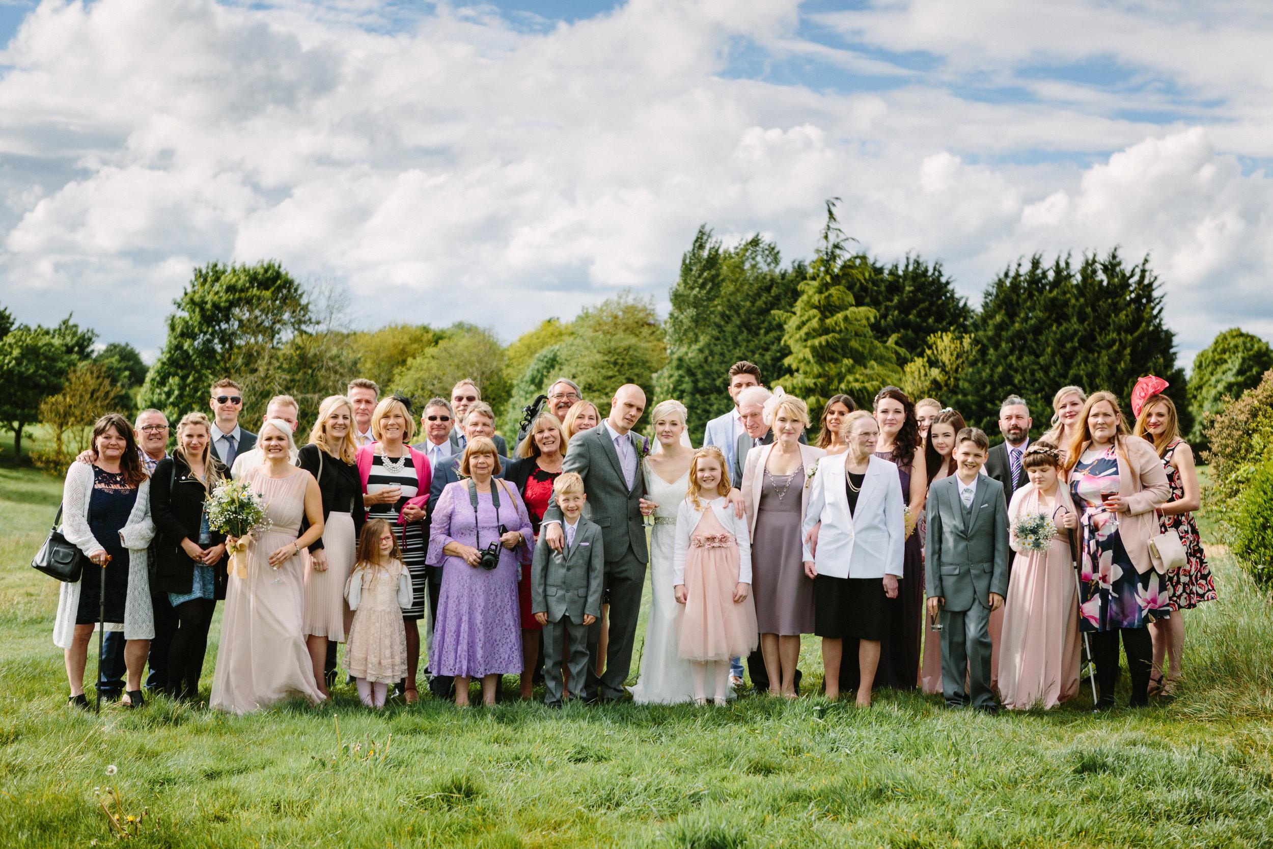 cotswalds-chipping-norton-oxfordshire-london-wedding-photography-group-shot-28