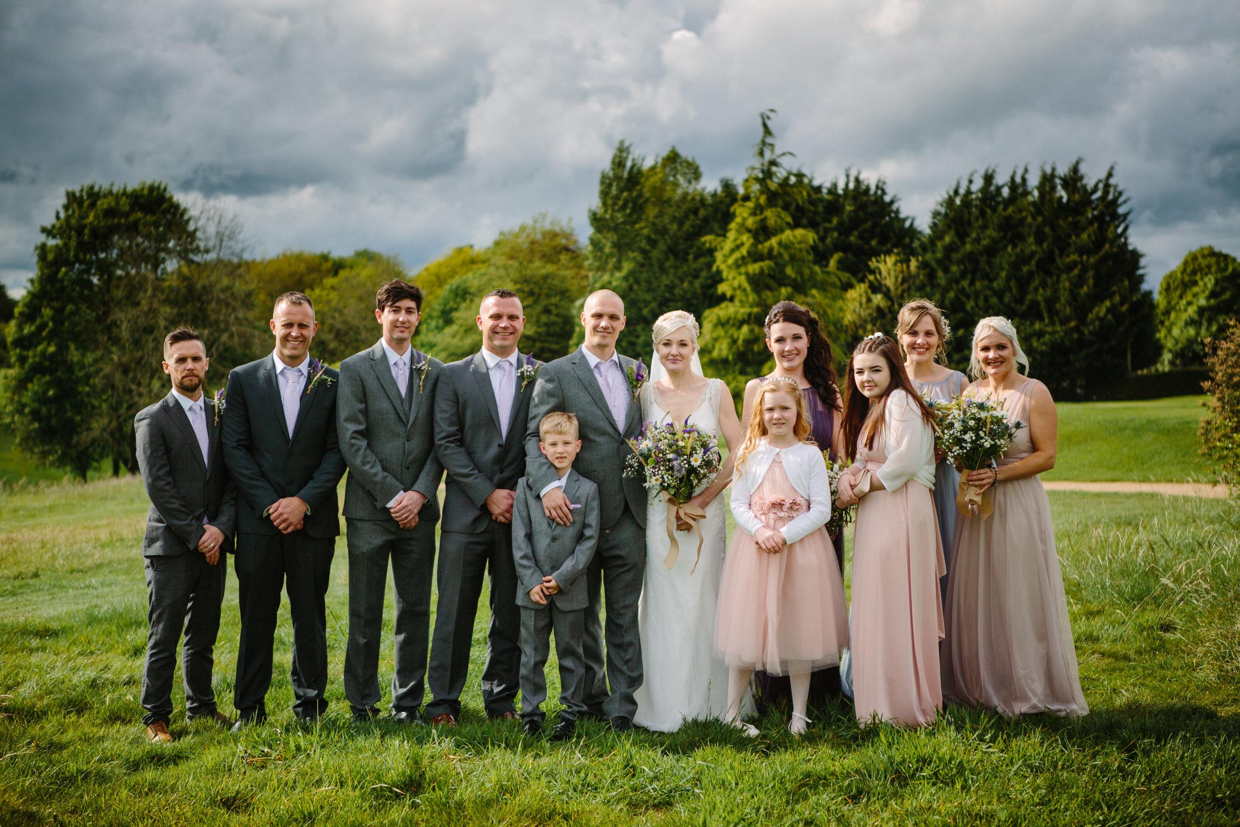 cotswalds-chipping-norton-oxfordshire-london-wedding-photography-group-shot-29