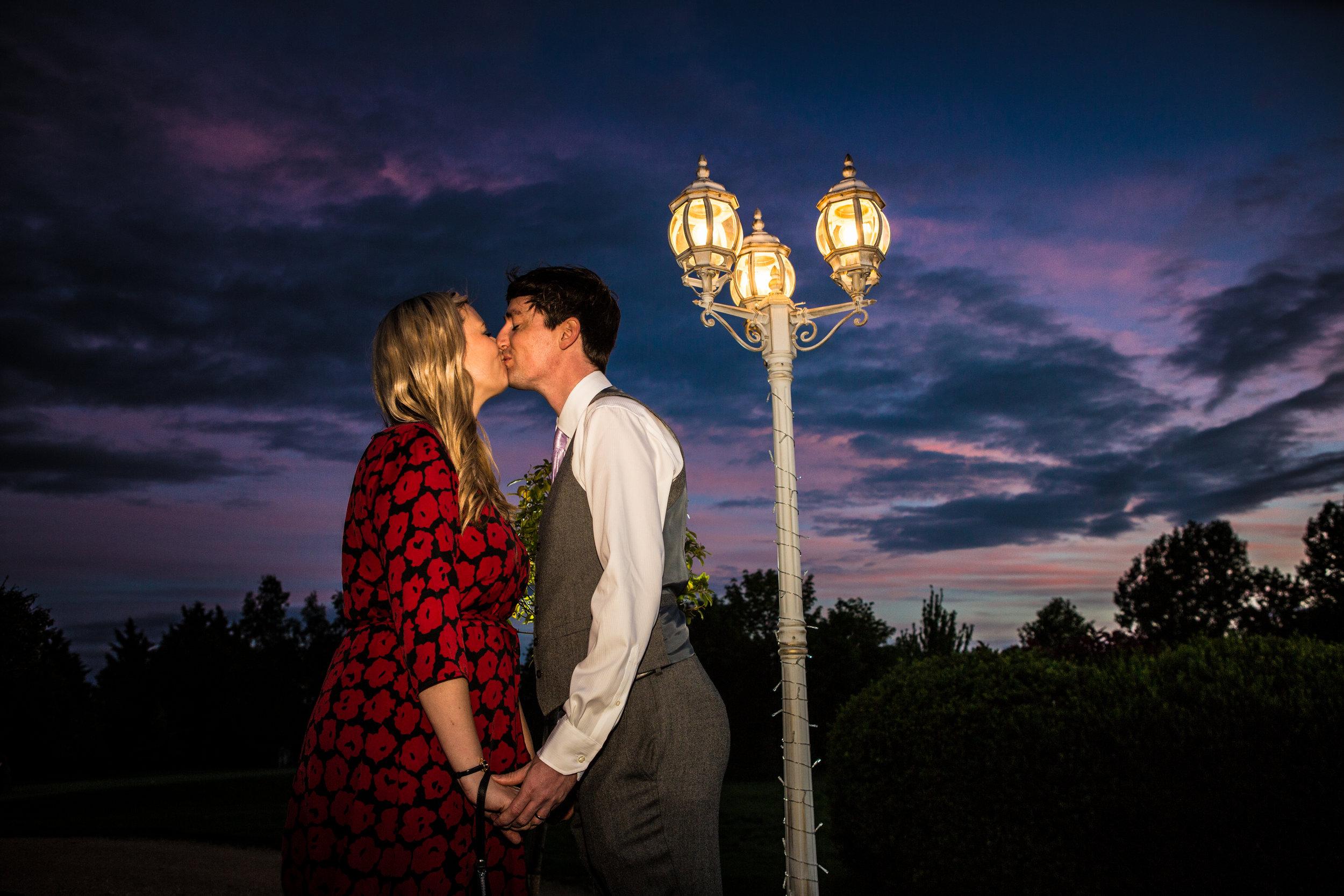 cotswalds-chipping-norton-oxfordshire-london-wedding-photography-best-man-sunset-48