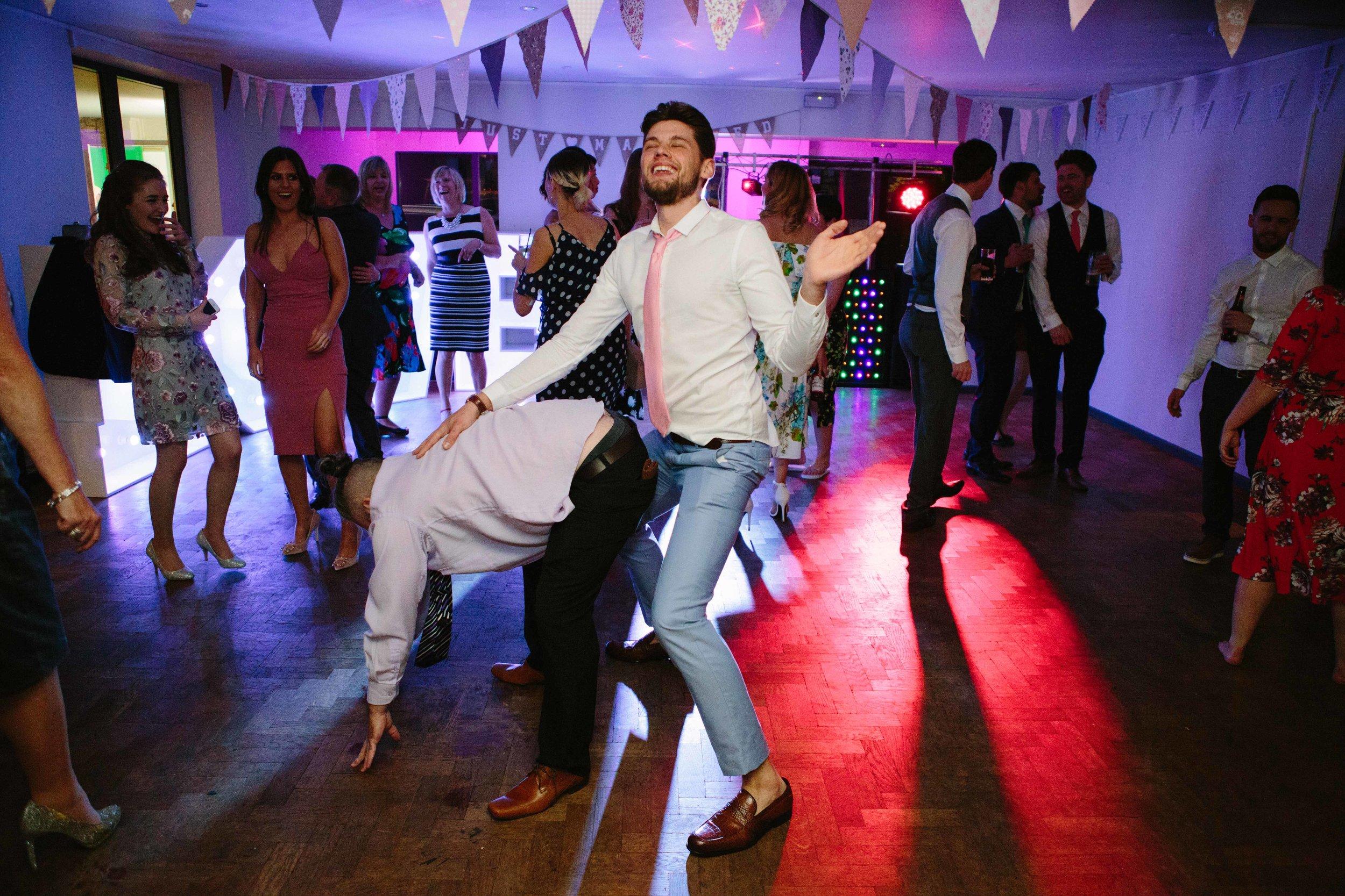 cotswalds-chipping-norton-oxfordshire-london-wedding-photography-bromance-55