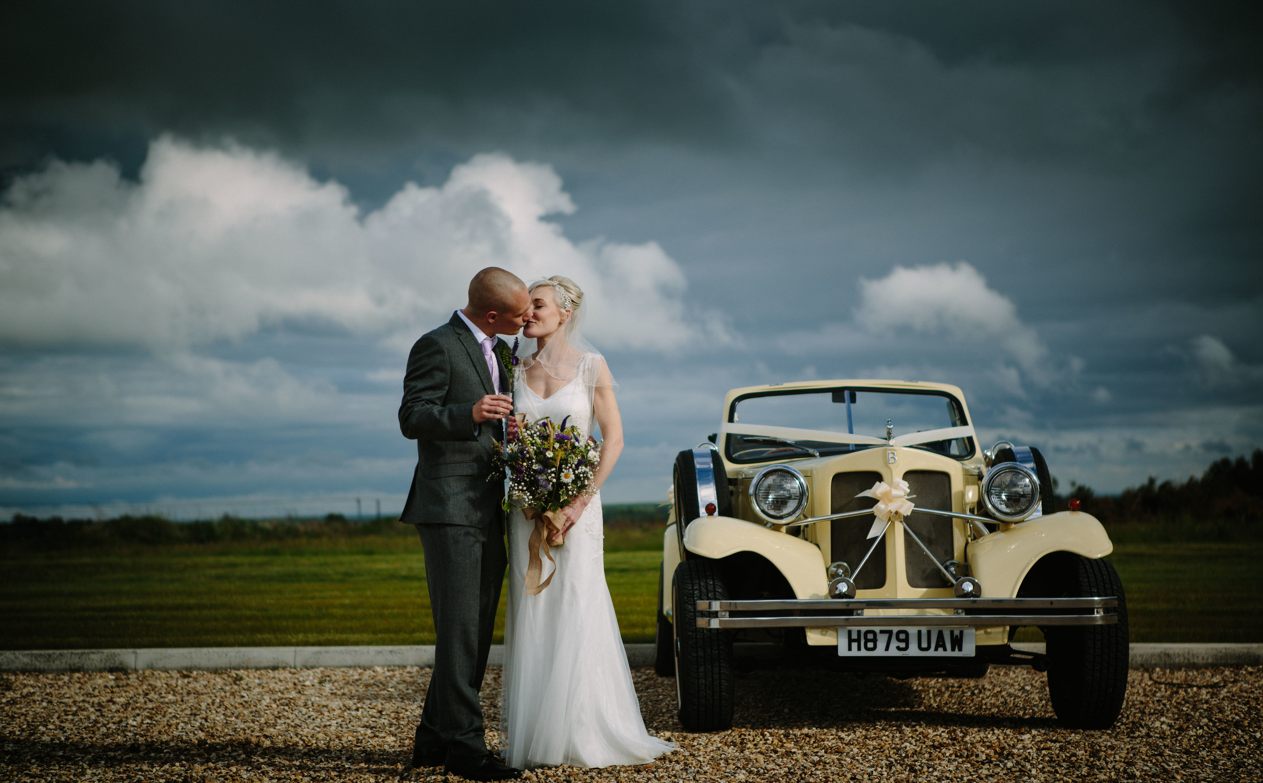 cotswalds-chipping-norton-oxfordshire-london-wedding-photography-bridal-portrait-classic-car-63