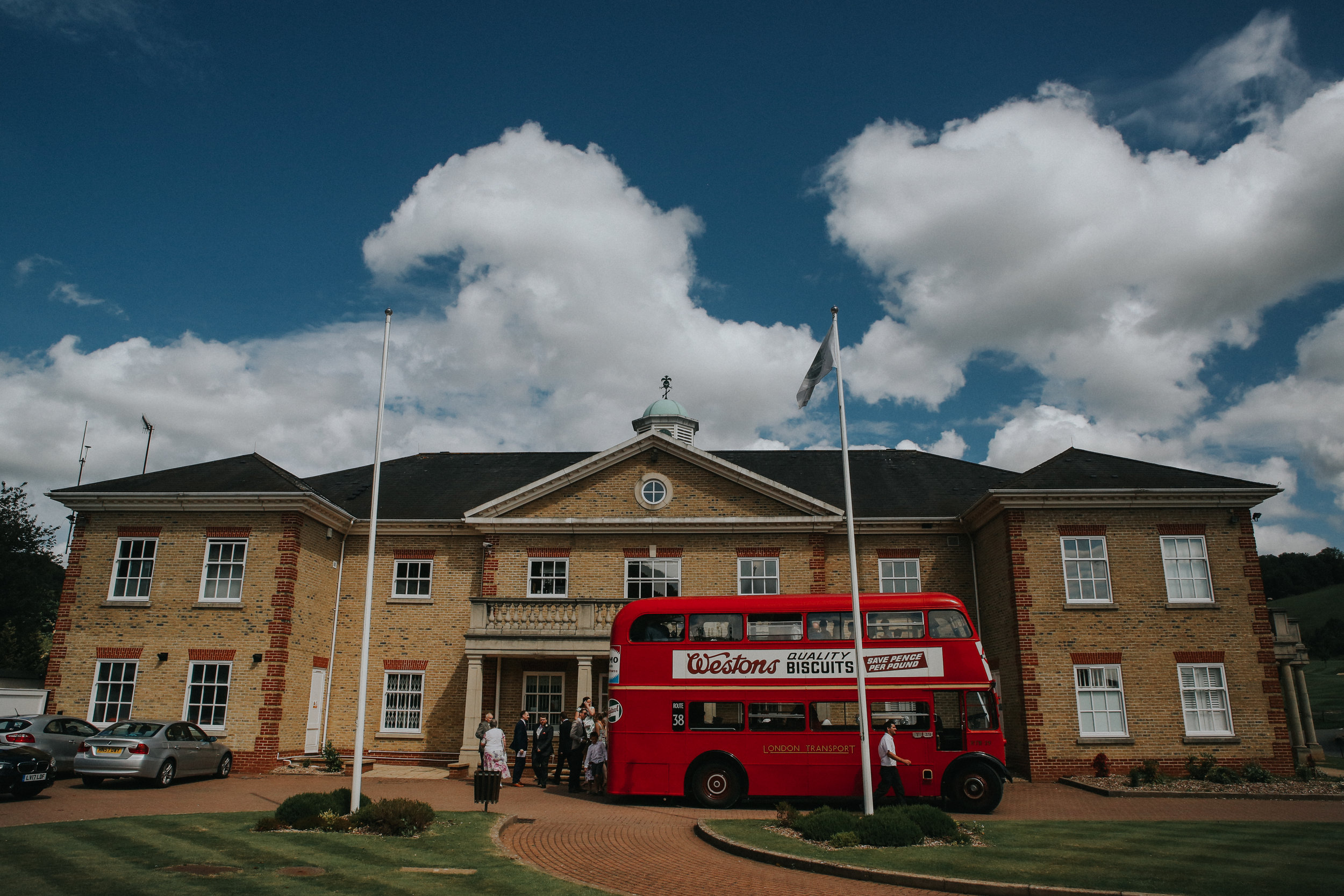 reigate-surrey-london-wedding-photography-woldingham-golf-club-routemaster-65