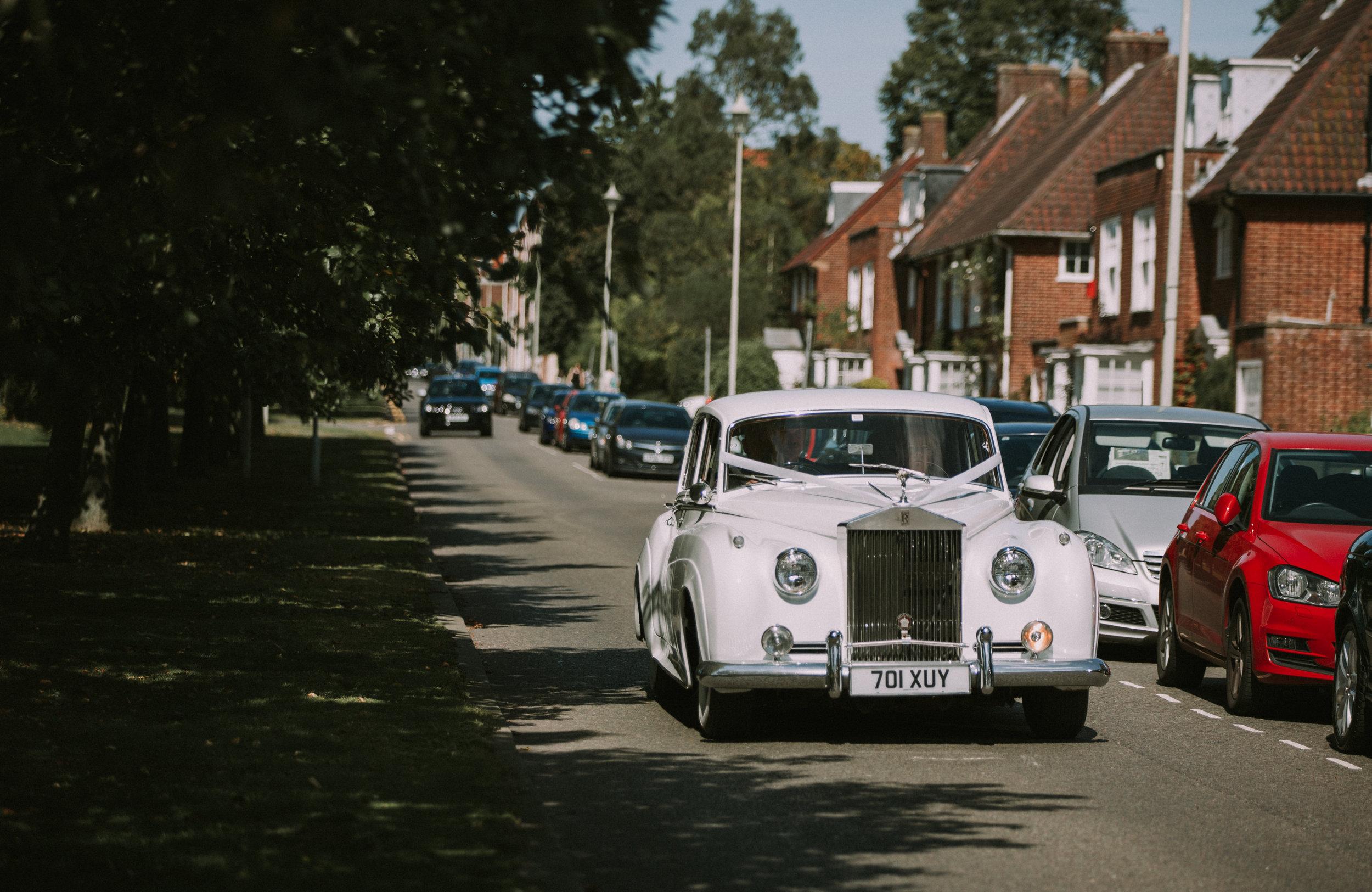 hitchin-hertfordshire-london-wedding-photography-catholic-rolls-royce-17