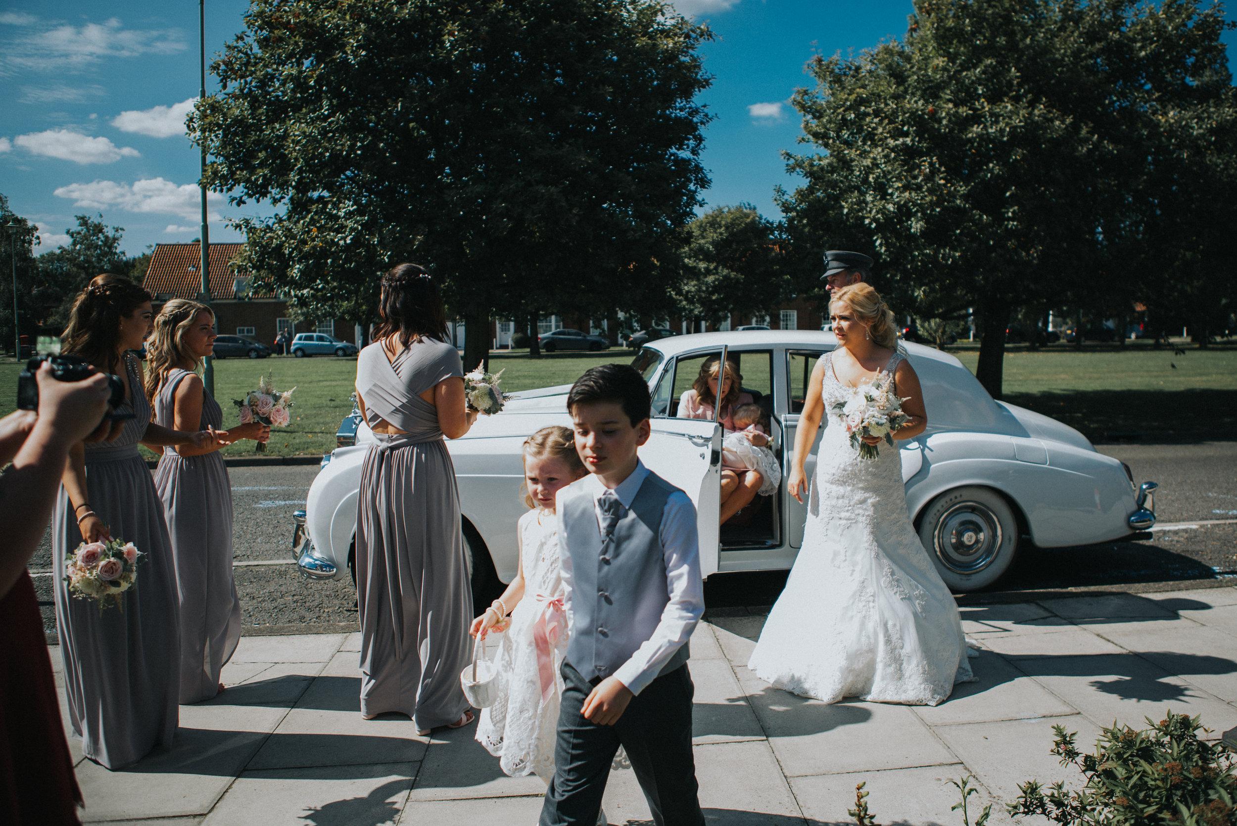 hitchin-hertfordshire-london-wedding-photography-catholic-ceremony-18