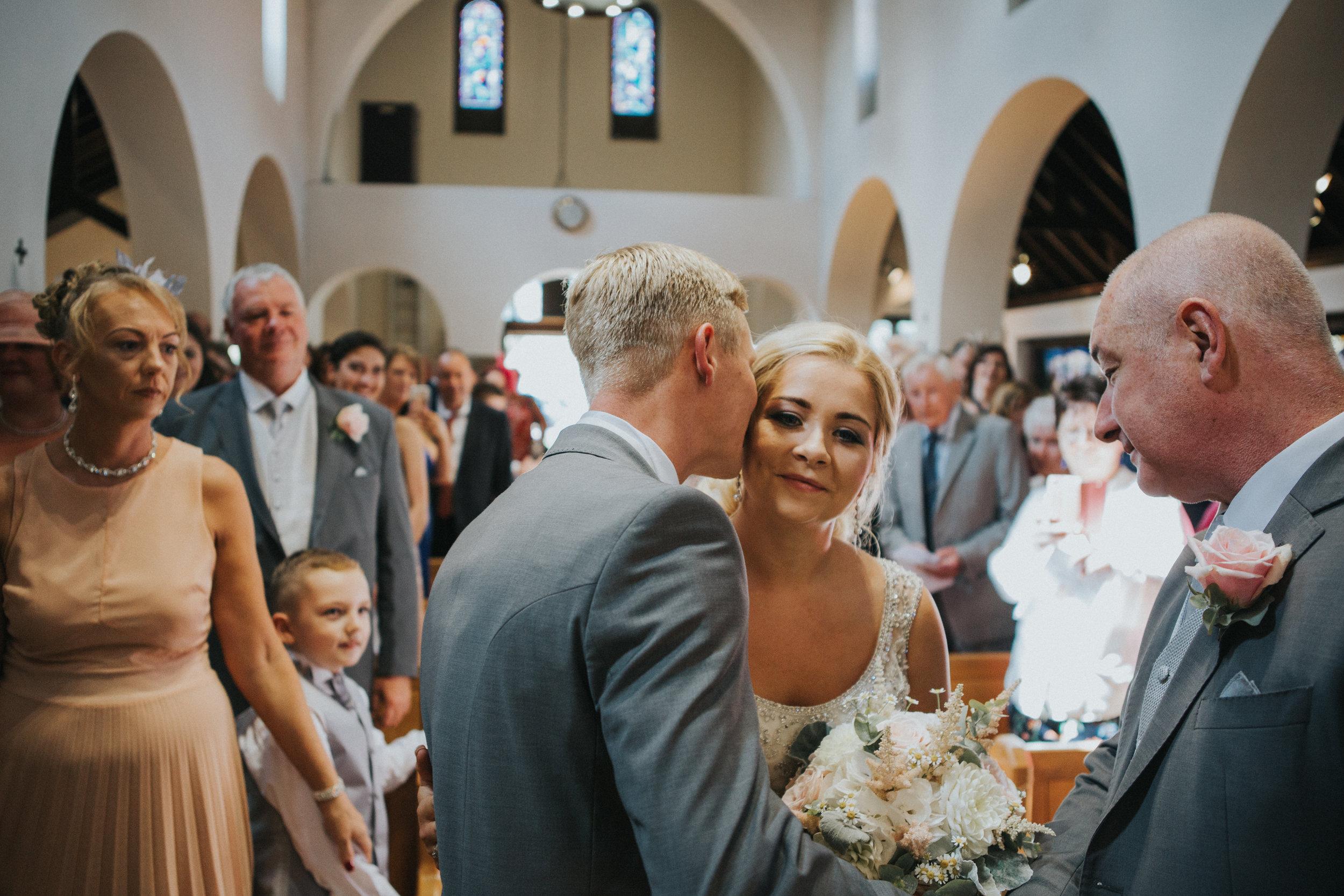 hitchin-hertfordshire-london-wedding-photography-catholic-ceremony-24