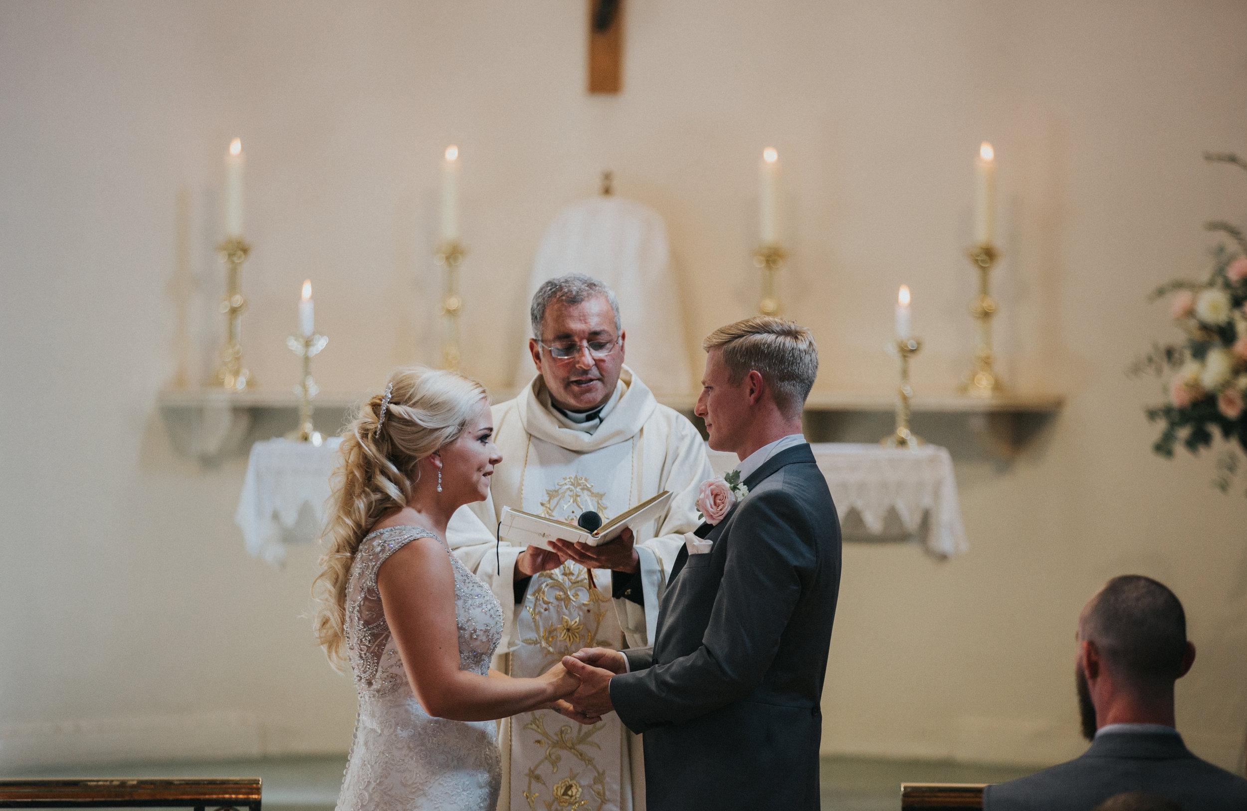 hitchin-hertfordshire-london-wedding-photography-catholic-ceremony-28