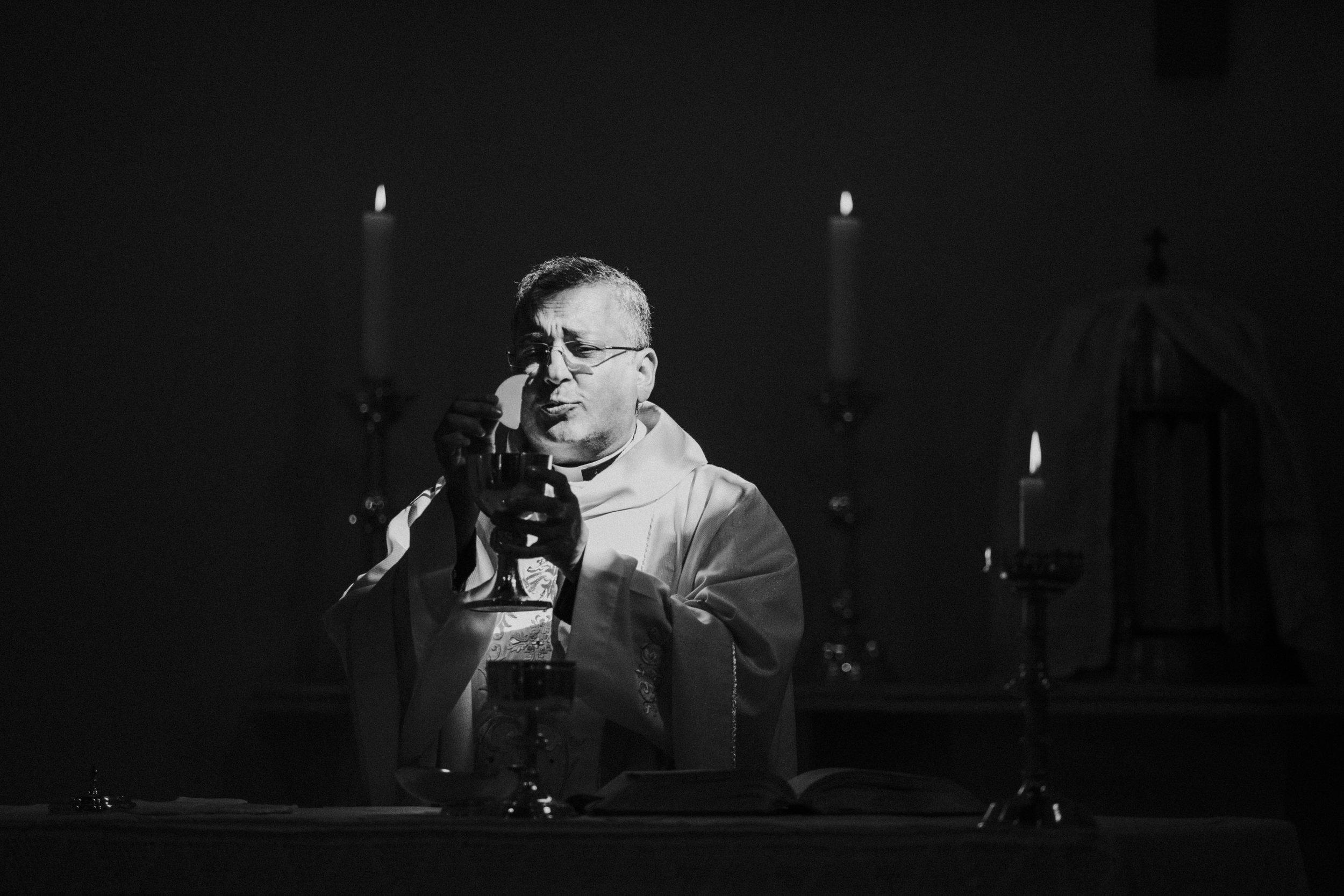 hitchin-hertfordshire-london-wedding-photography-catholic-ceremony-31