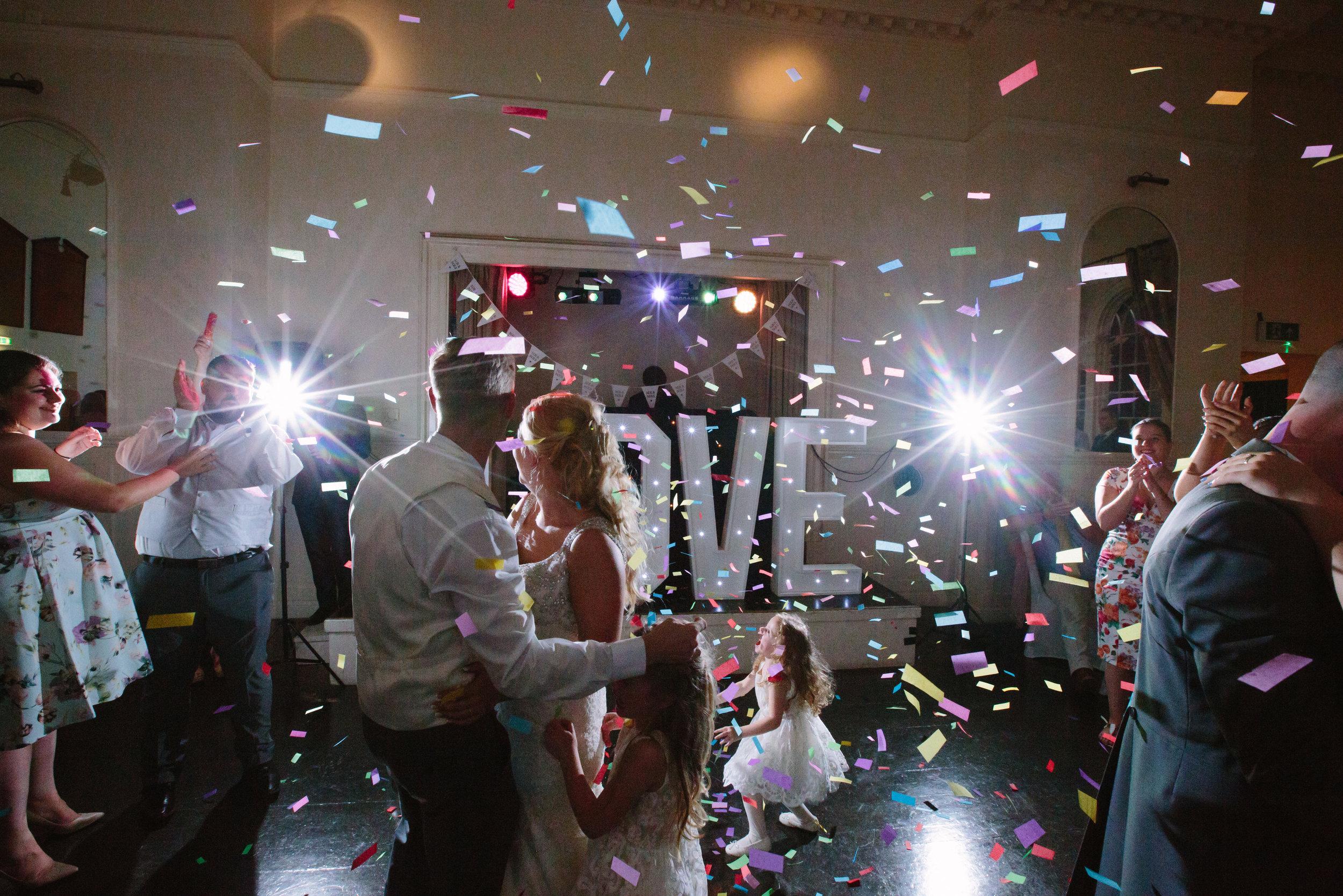 hitchin-hertfordshire-london-wedding-photography-catholic-church-first-dance-confetti-53