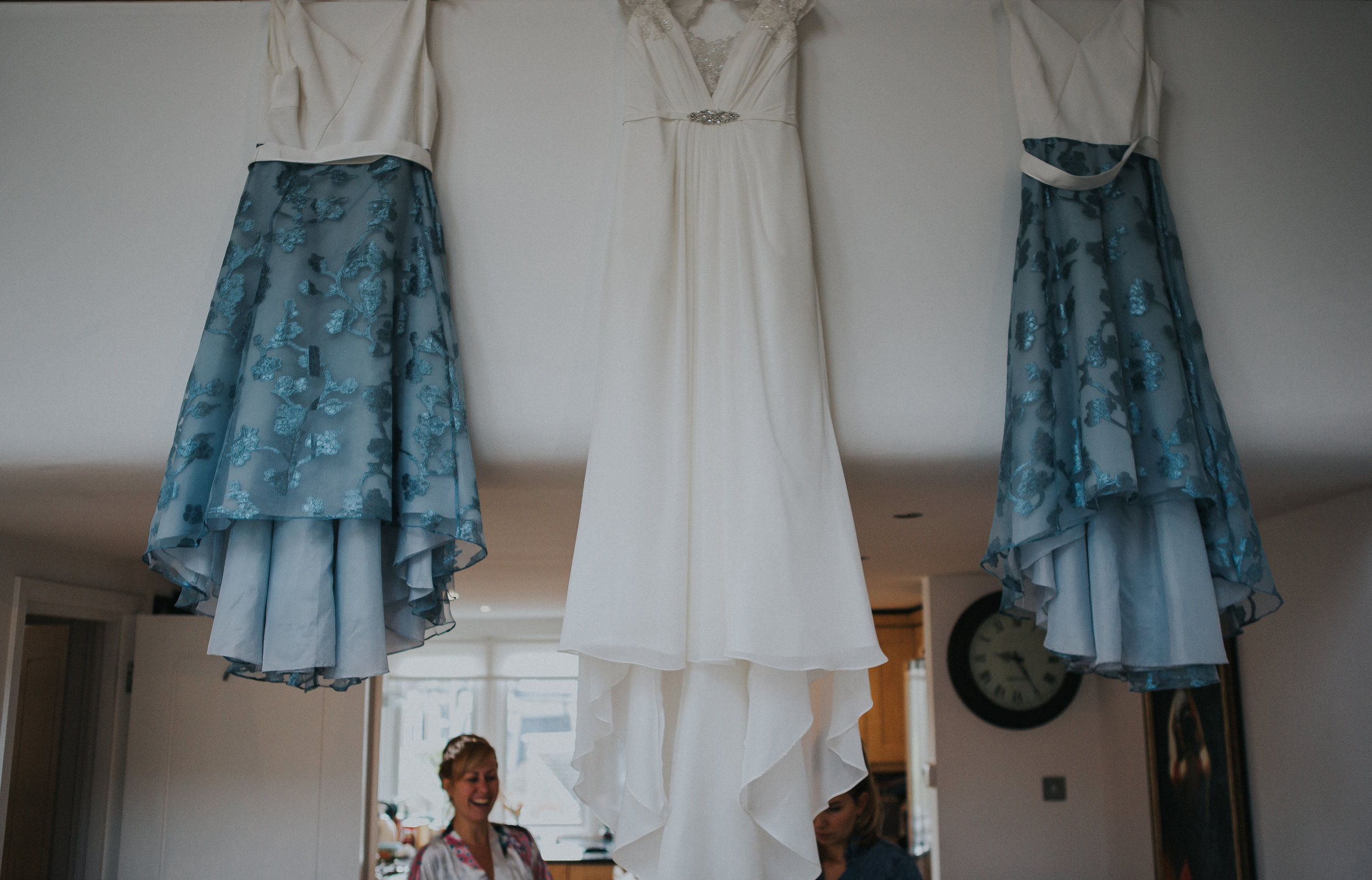 london-wedding-photography-wimbledon-wandsworth-town-hall-registry-bridal-prep-03