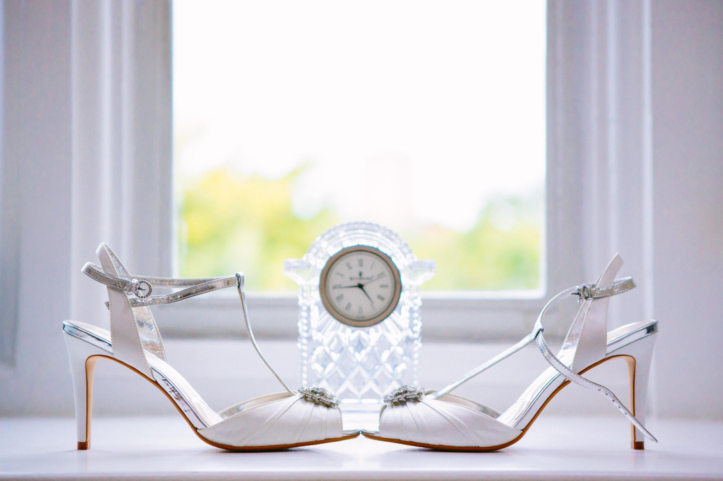 london-wedding-photography-wimbledon-wandsworth-town-hall-registry-bridal-prep-shoes-03