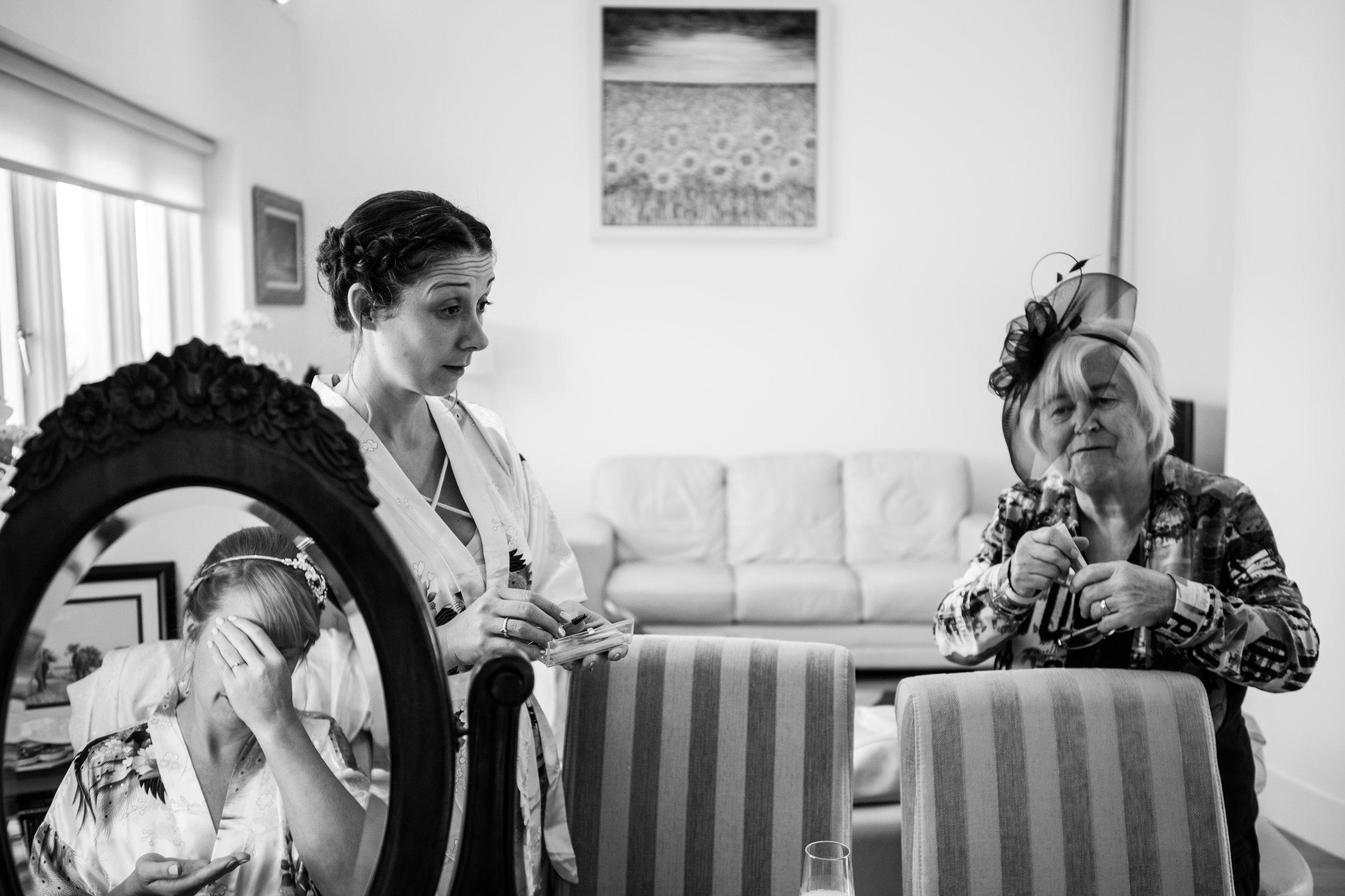 london-wedding-photography-wimbledon-wandsworth-town-hall-registry-bridal-prep-07