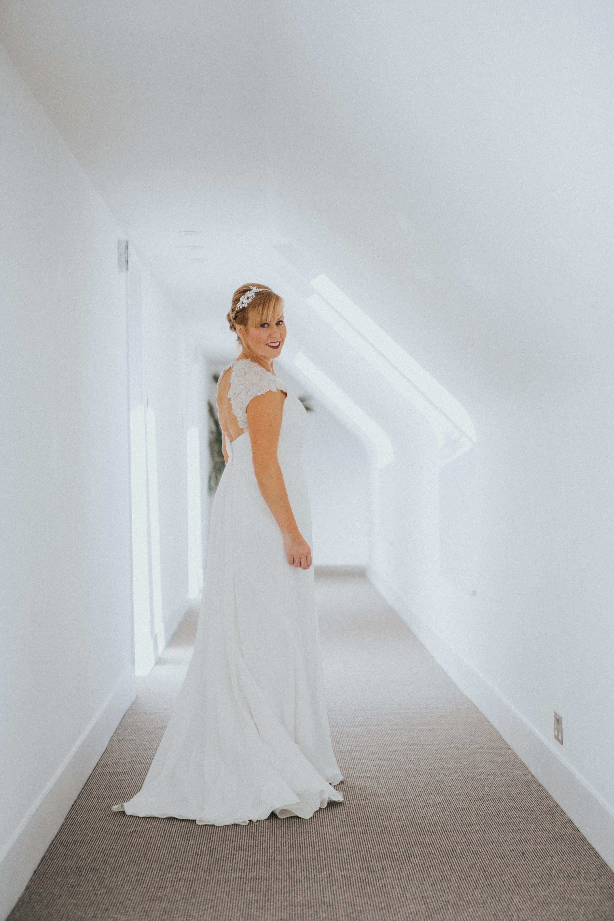 london-wedding-photography-wimbledon-wandsworth-town-hall-registry-bridal-portrait-12