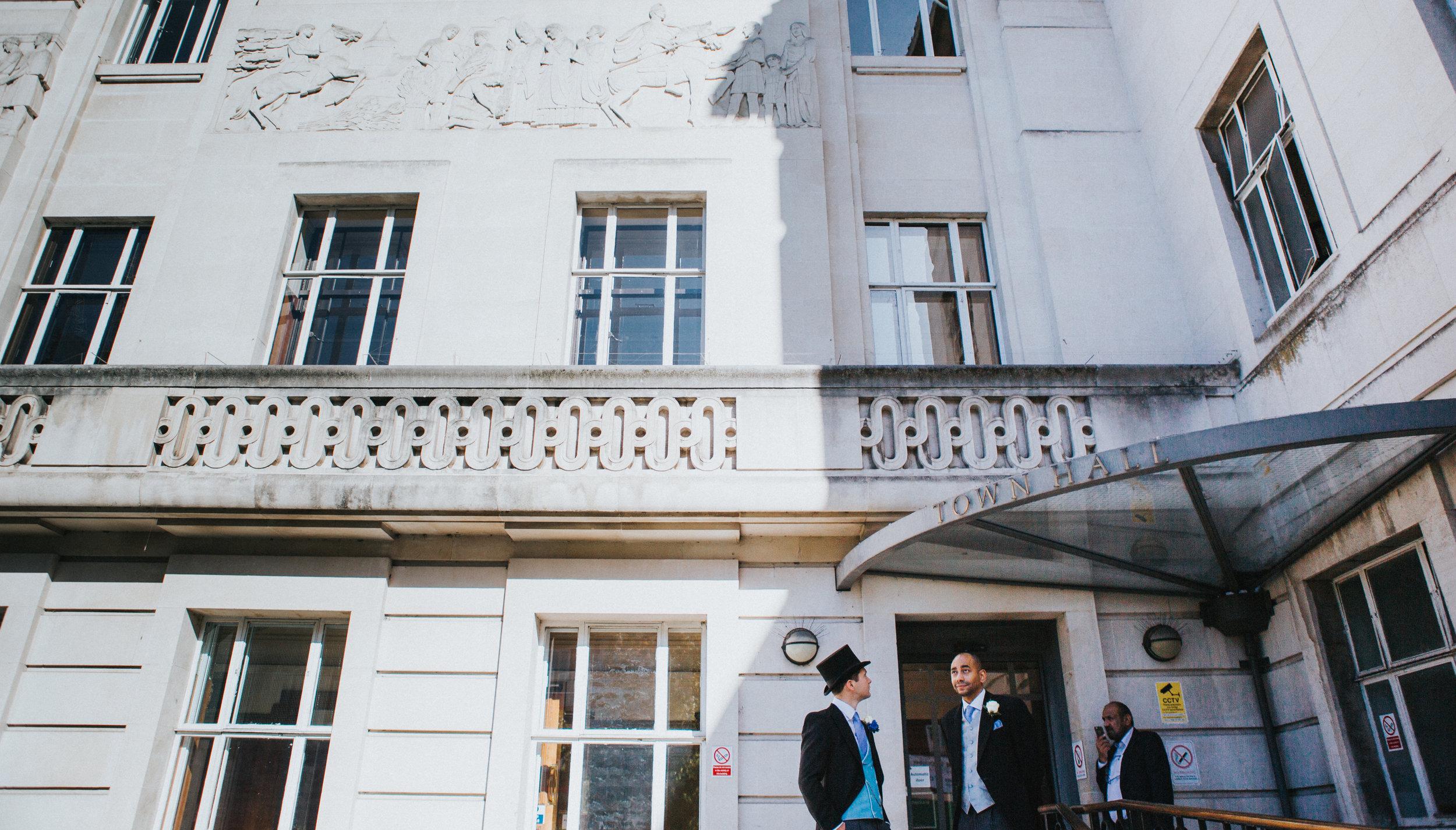 london-wedding-photography-wimbledon-wandsworth-town-hall-registry-groom-prep-18