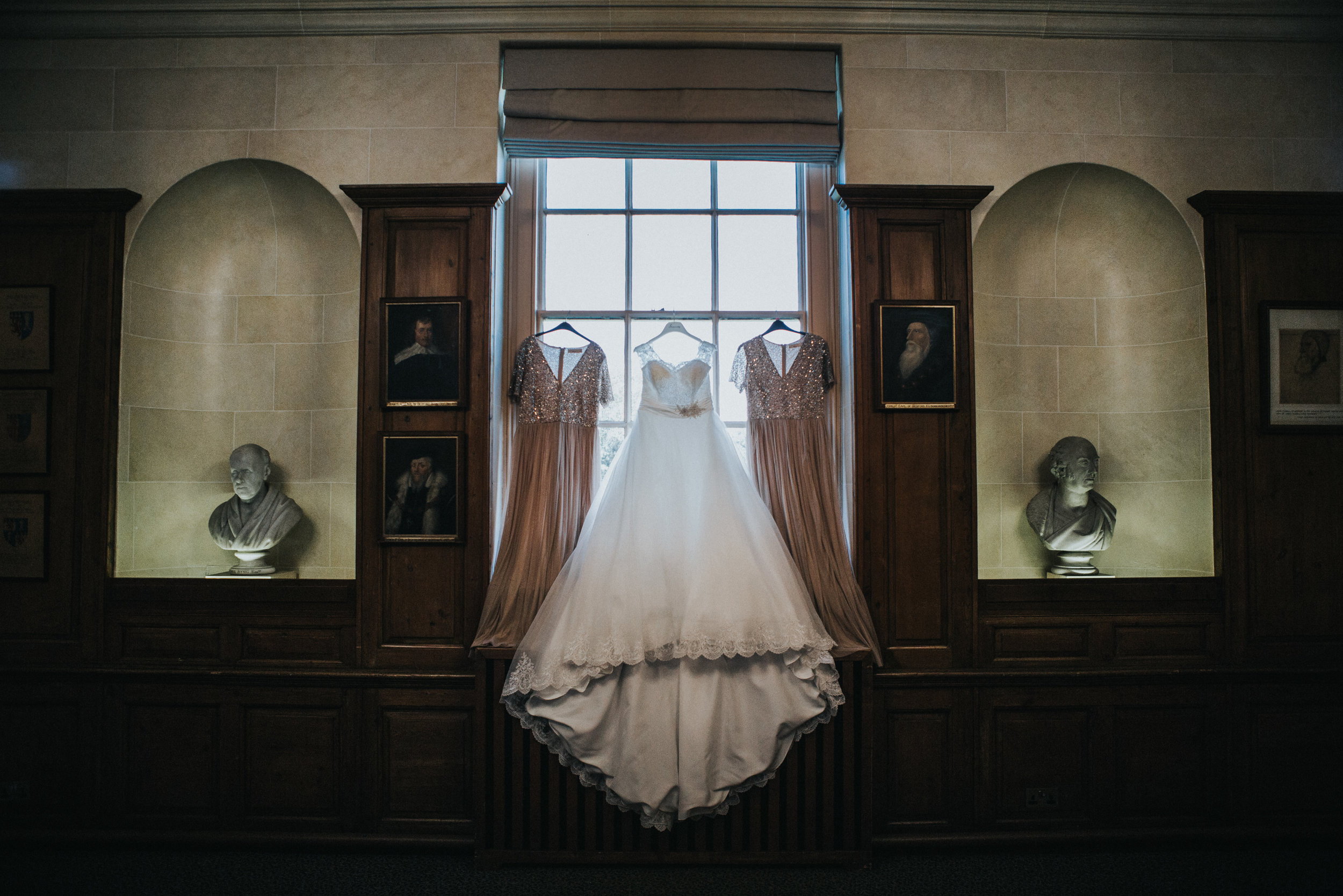 london-bedfordshire-uk-wedding-photography-woburn-scultpture-gallery-bridal-prep-10