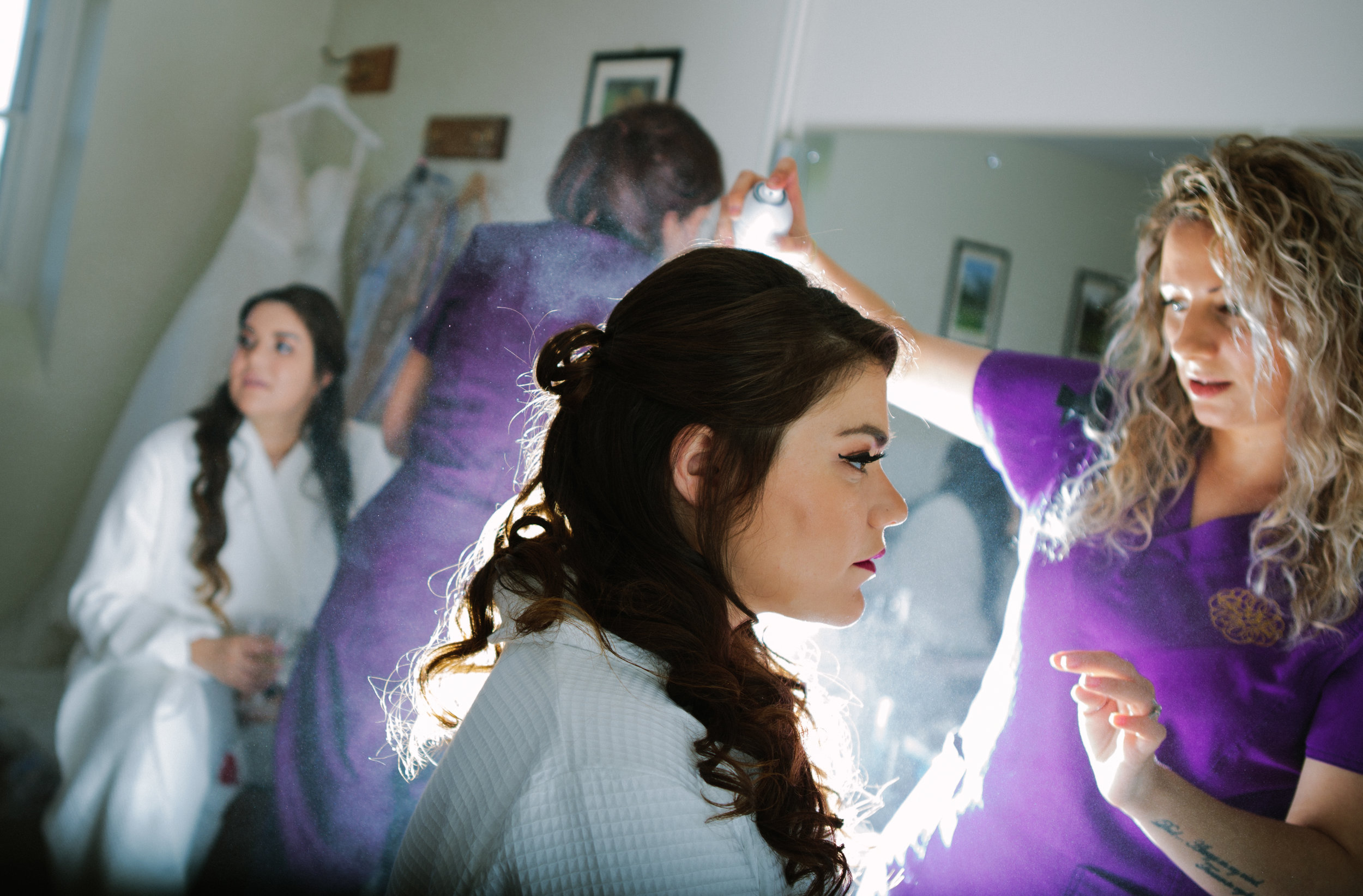 london-bedfordshire-uk-wedding-photography-woburn-scultpture-gallery-bridal-prep-17