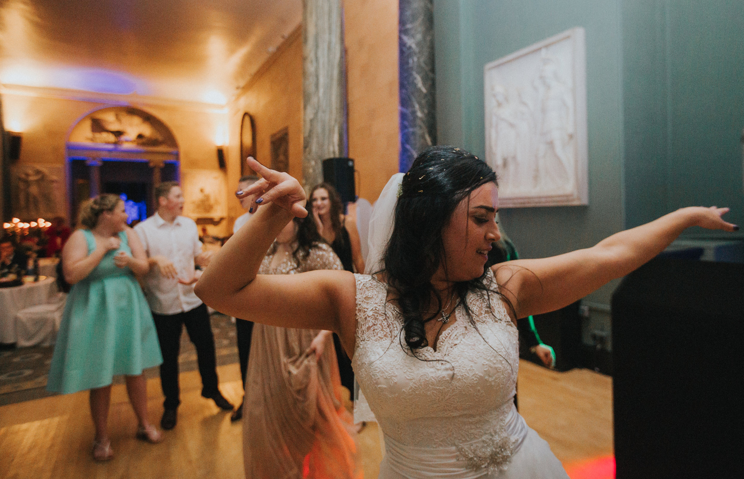london-bedfordshire-uk-wedding-photography-woburn-sculpture-gallery-dancing-party-90