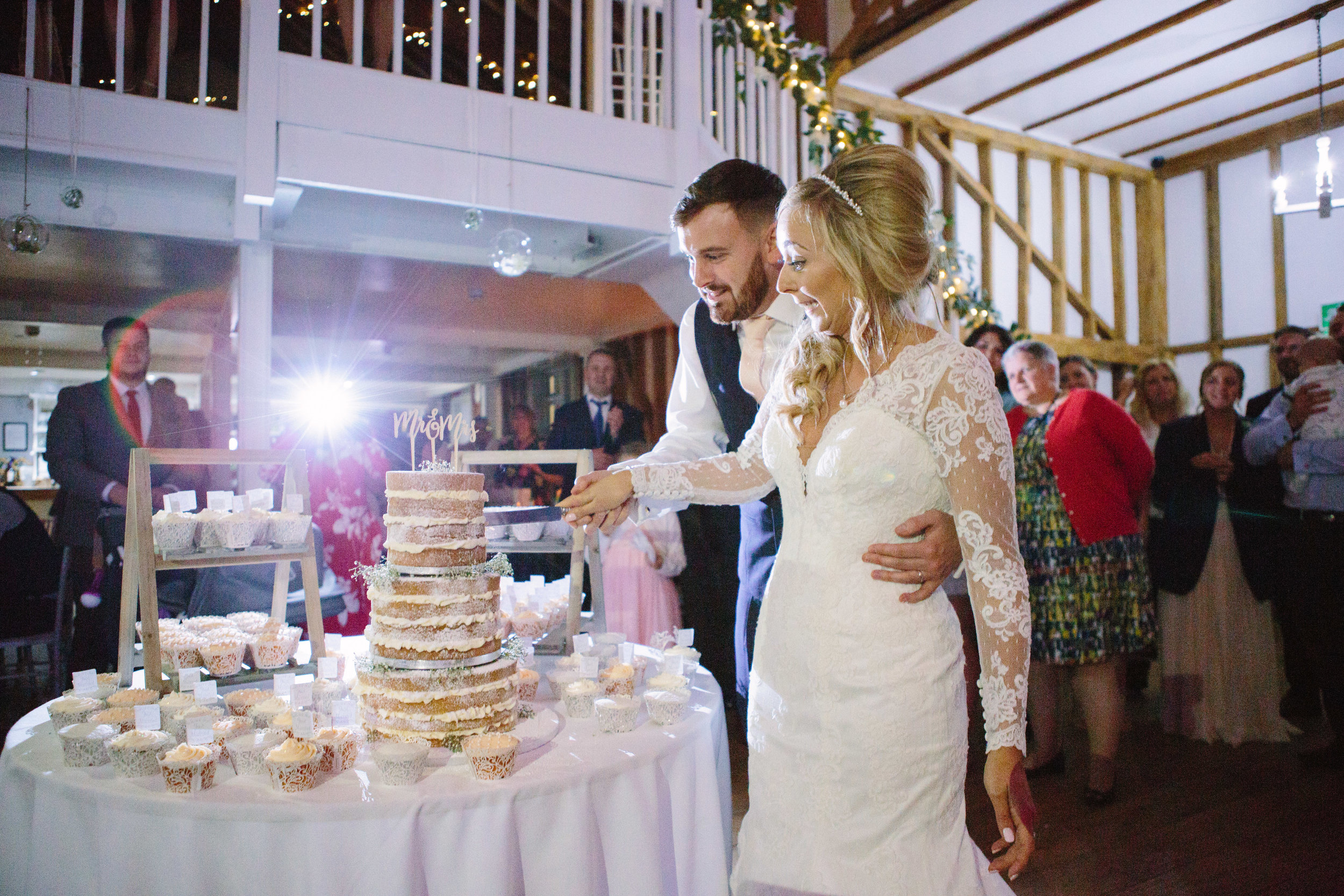 london-hertfordshire-wedding-photography-milling-barn-cake-73